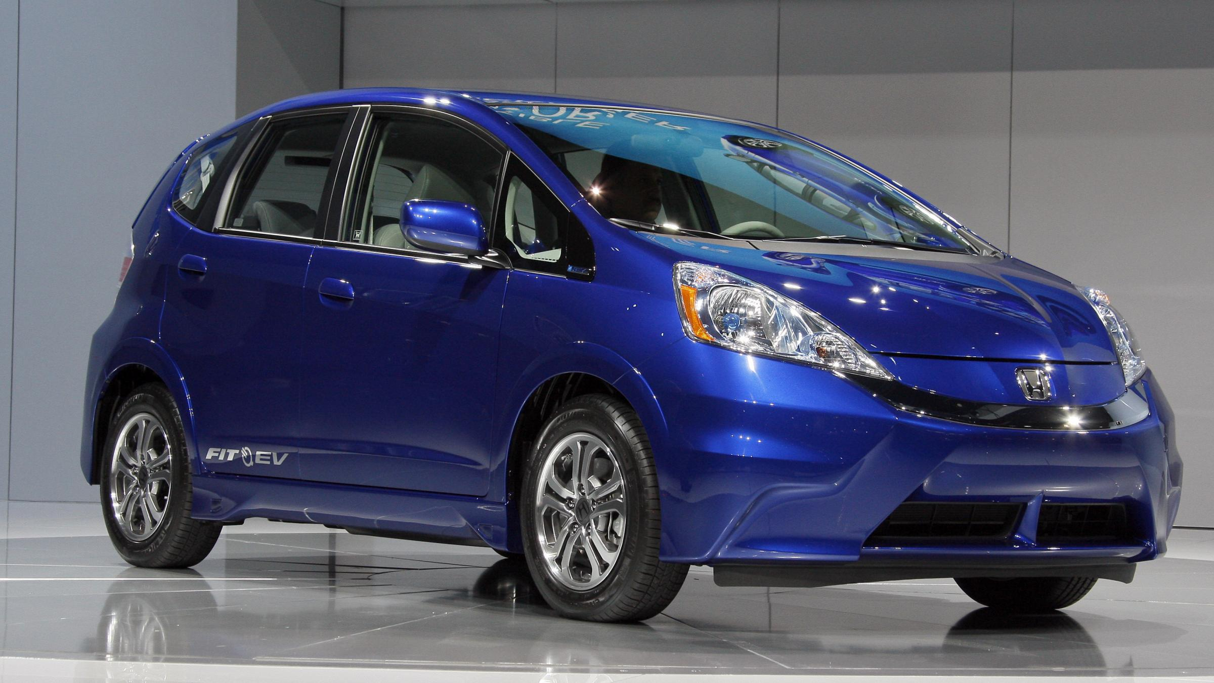 At the equivalent of 118 mpg honda fit ev becomes most for Honda fit electric