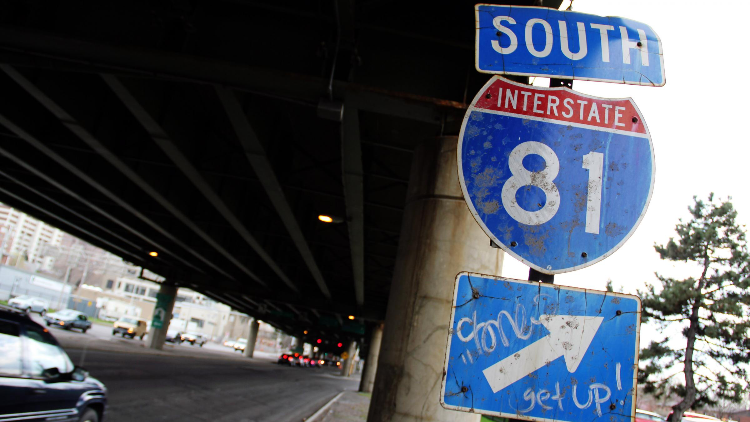 A City Faces Its 'Berlin Wall': An Interstate Highway ...