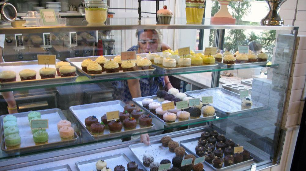 cupcake cafe mission and vision Porto's bakery was born out of rosa's love for  porto's is committed to supporting chla's mission of creating hope  ©2018 porto's bakery & cafe™ all.