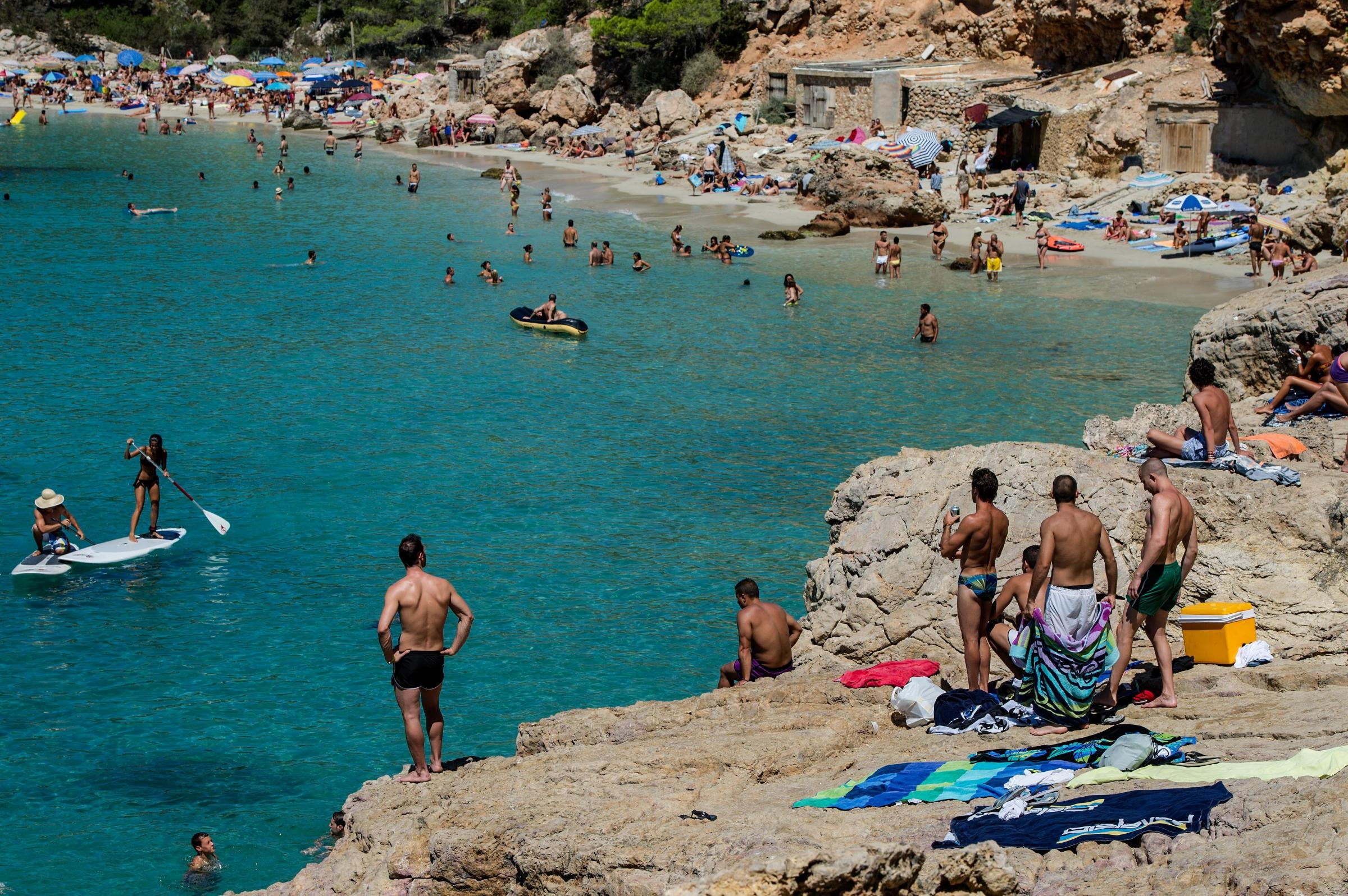 Beachgoers In Spain Face Invasion Of Jellyfish | KCUR