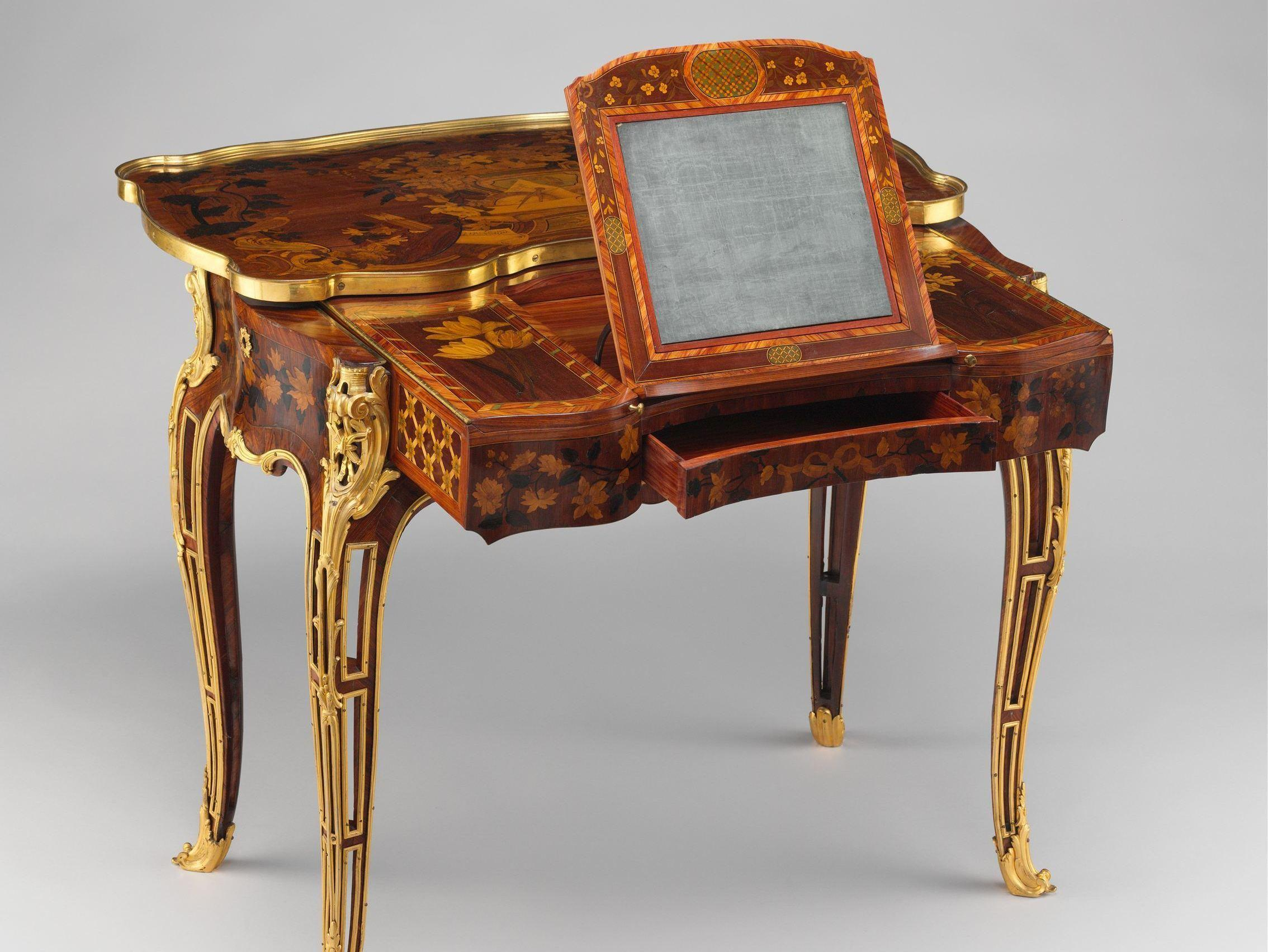 The art of vanity on display in 39 the history of the for Table design history