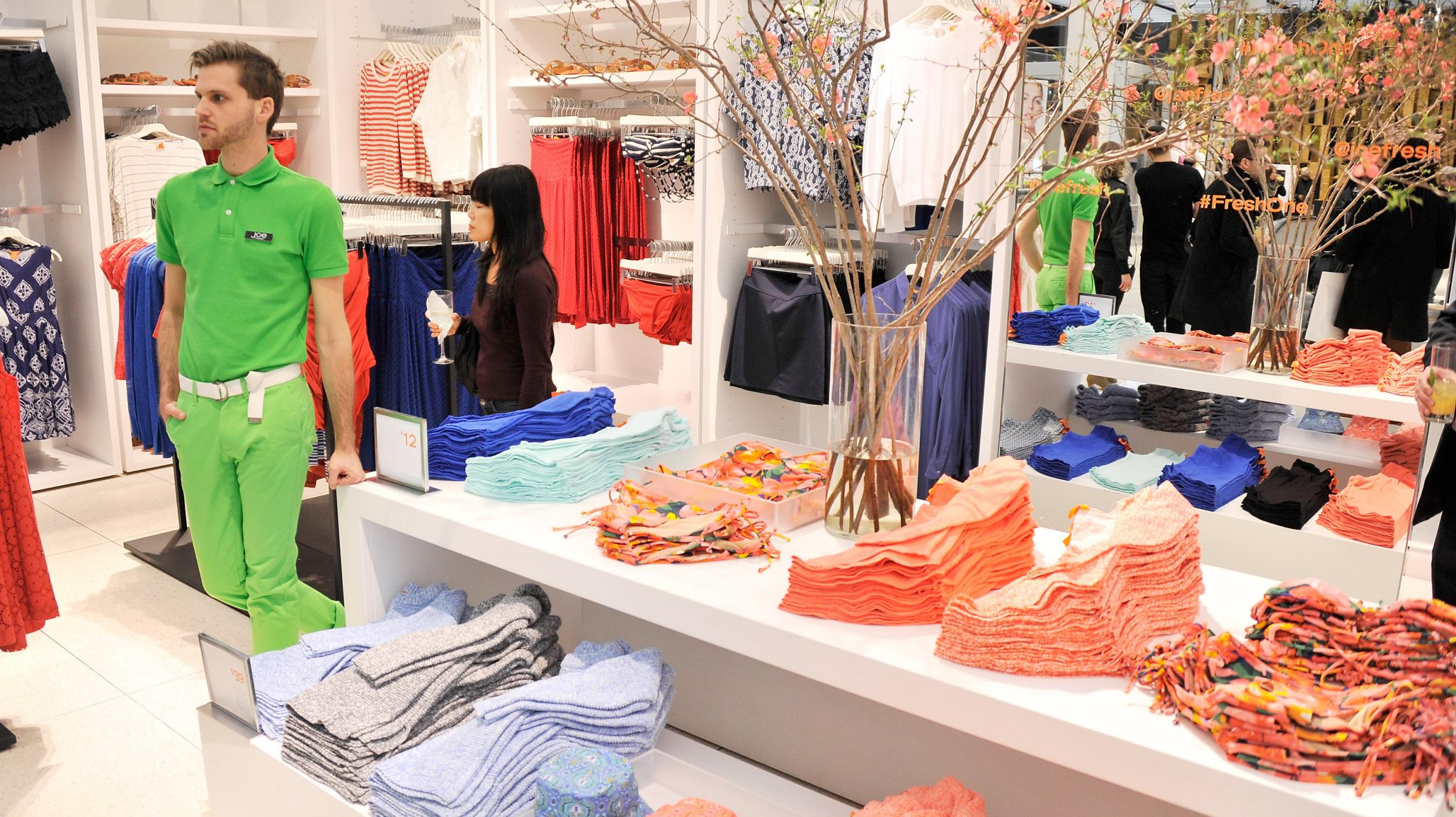 Pay weekly clothes stores