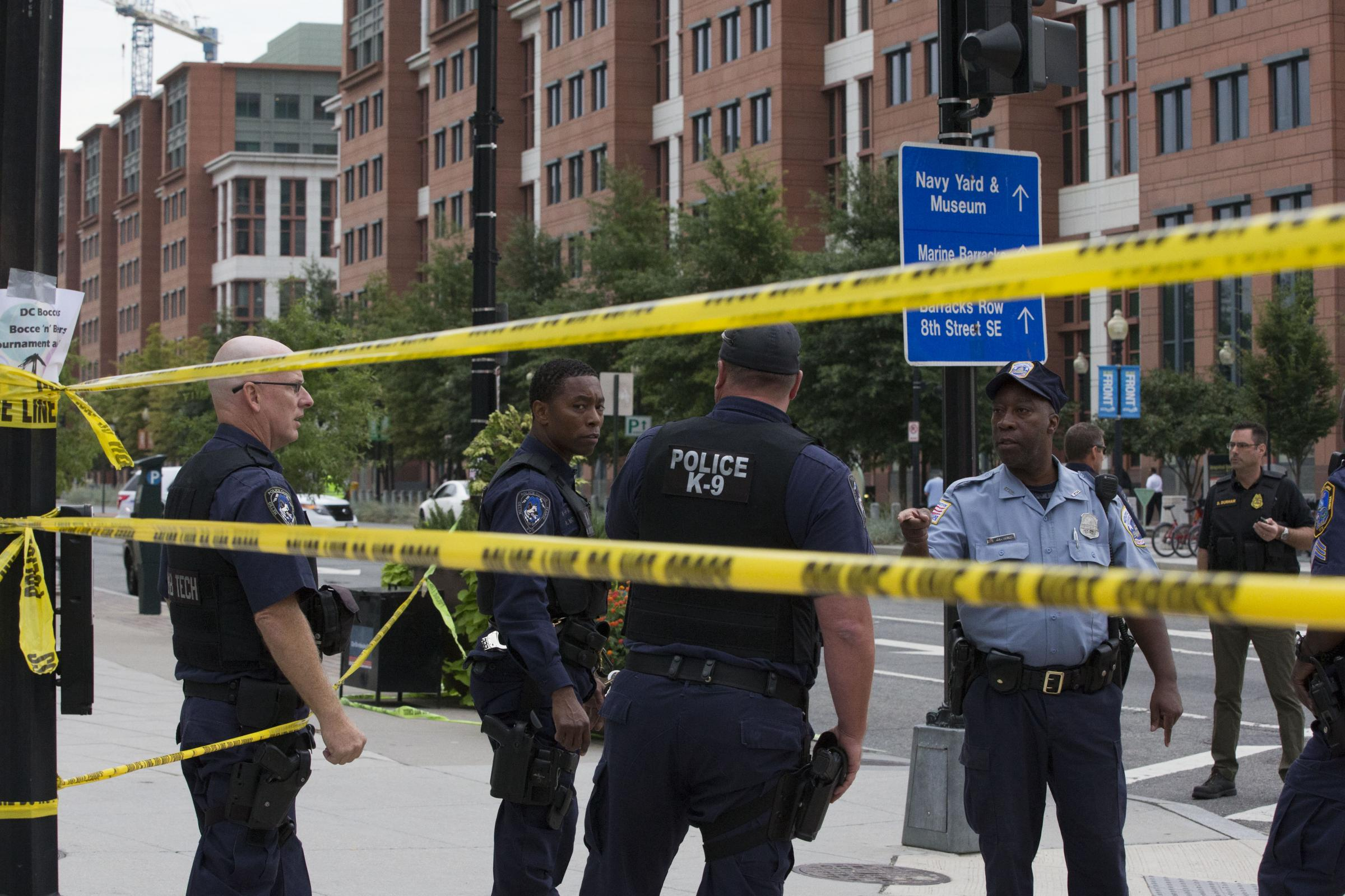 shooting at navy yard washington Cctv footage of aaron alexis in building 197 holding a remington 870 shotgun the washington navy yard shooting occurred on september 16, 2013, when lone gunman aaron.