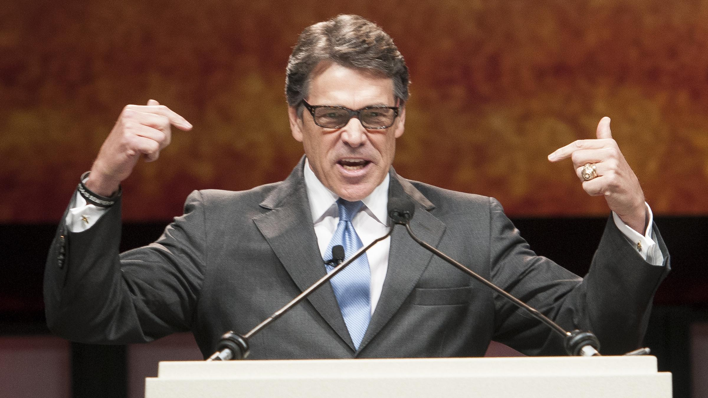essay on governor rick perry job performance When gov rick perry leaves office next month, he'll wrap up a three-decade stretch in state elective office that concluded with his being the longest-serving governor in texas history.