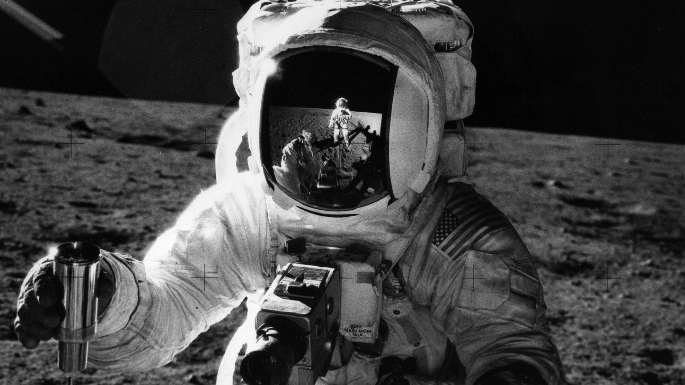 astronauts who walked on moon - photo #6