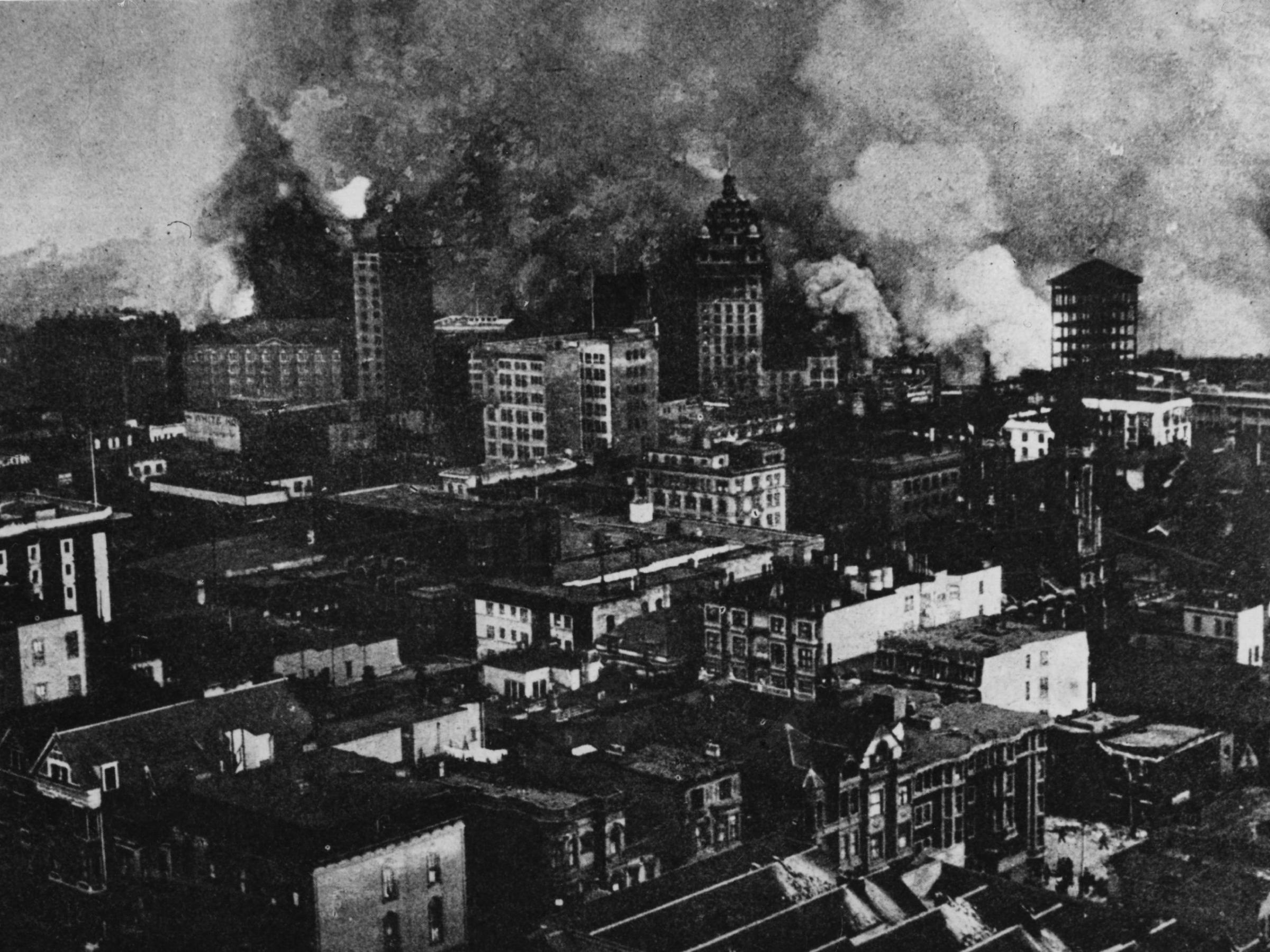 san francisco on fire in the aftermath of the 1906 earthquake