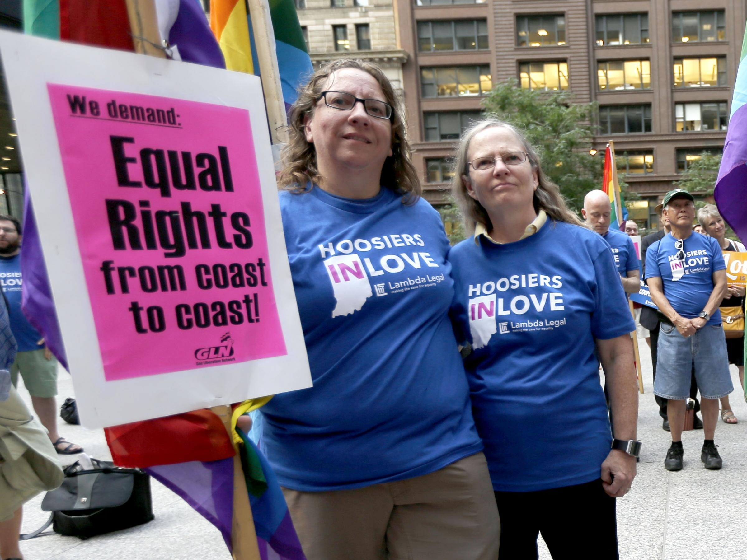 federalism and gay marriage The ongoing battle to legalize gay marriage in the states illustrates the pros and  cons of the united states federal system federalism describes.