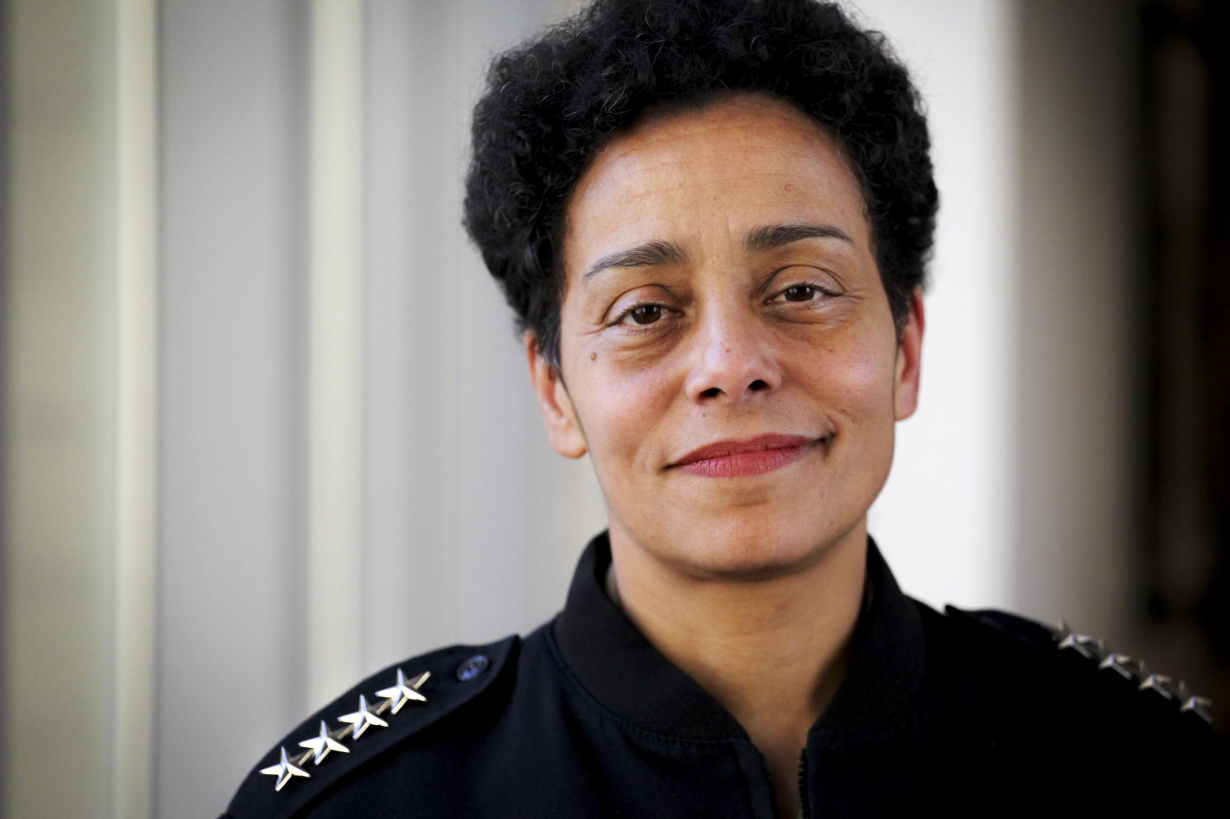 Michelle Howard Is The First Woman To Achieve Rank Of Four Star Admiral In Navy