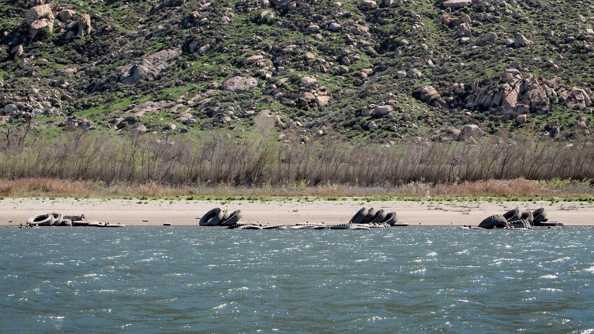 California 39 s drought exposes long hidden detritus kera news for Perris lake fishing report