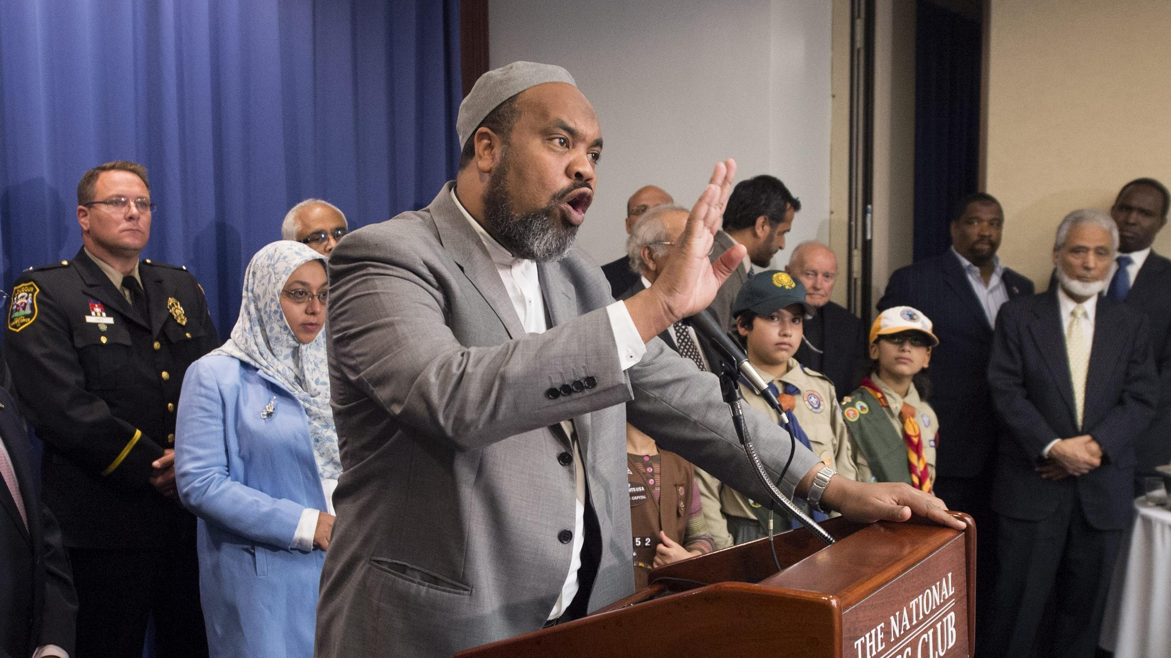 ashburn muslim In planning the forum, the inter-sac committee decided to focus on four overlapping communities in the national capital area that have been most severely affected by hate violence and.