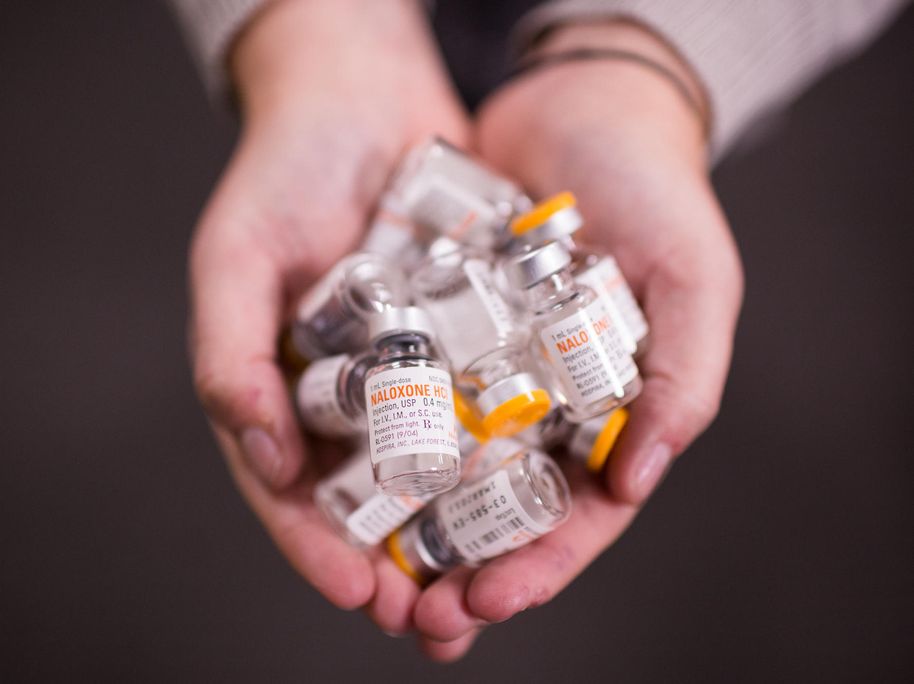drug overdose Learn what a drug overdose is, how to recognize risk factors and symptoms, how it is treated, and how you can help prevent it.