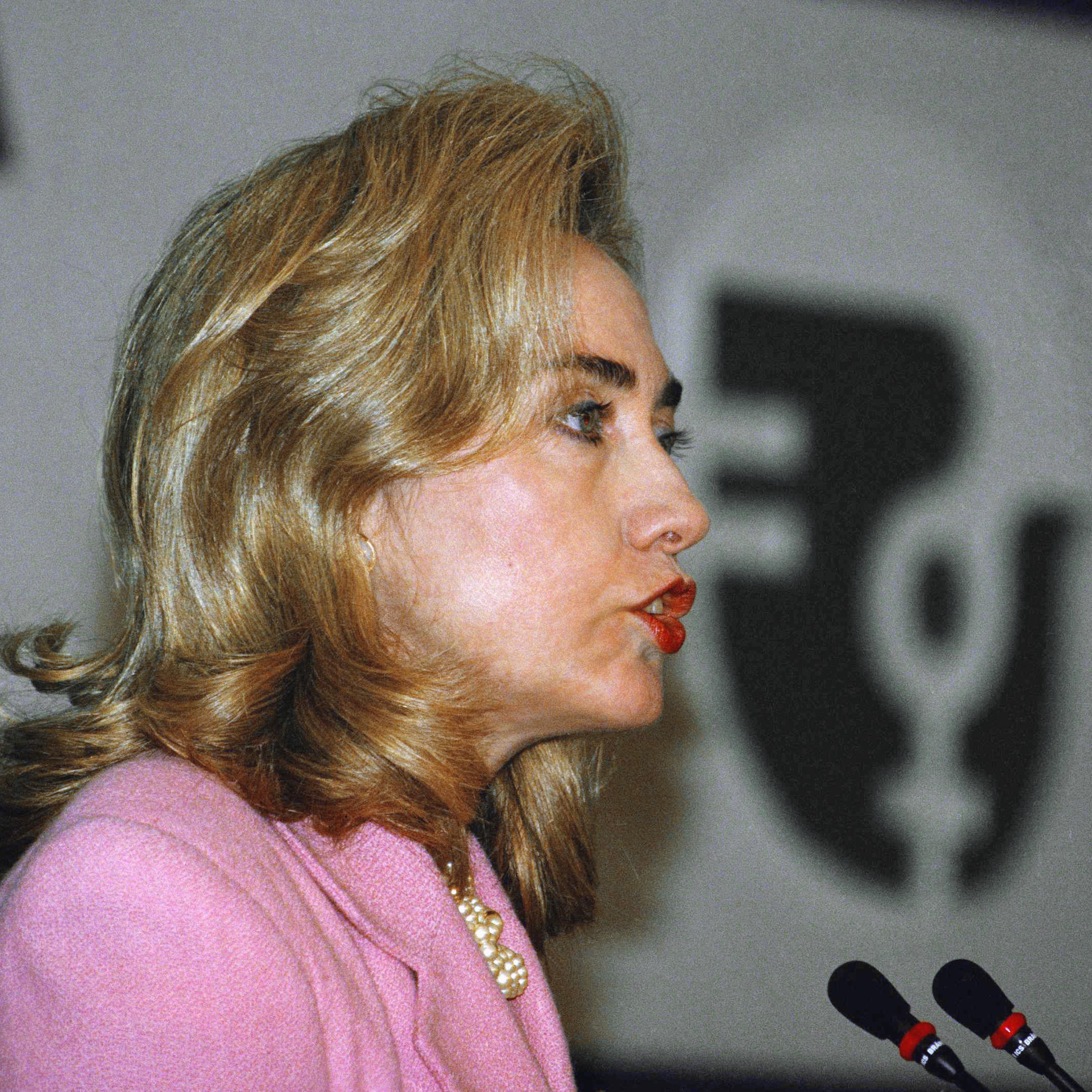 clinton women Bill clinton, the 42nd president of the united states (1993–2001), has been publicly accused of sexual misconduct by three women: juanita broaddrick accuses clinton.