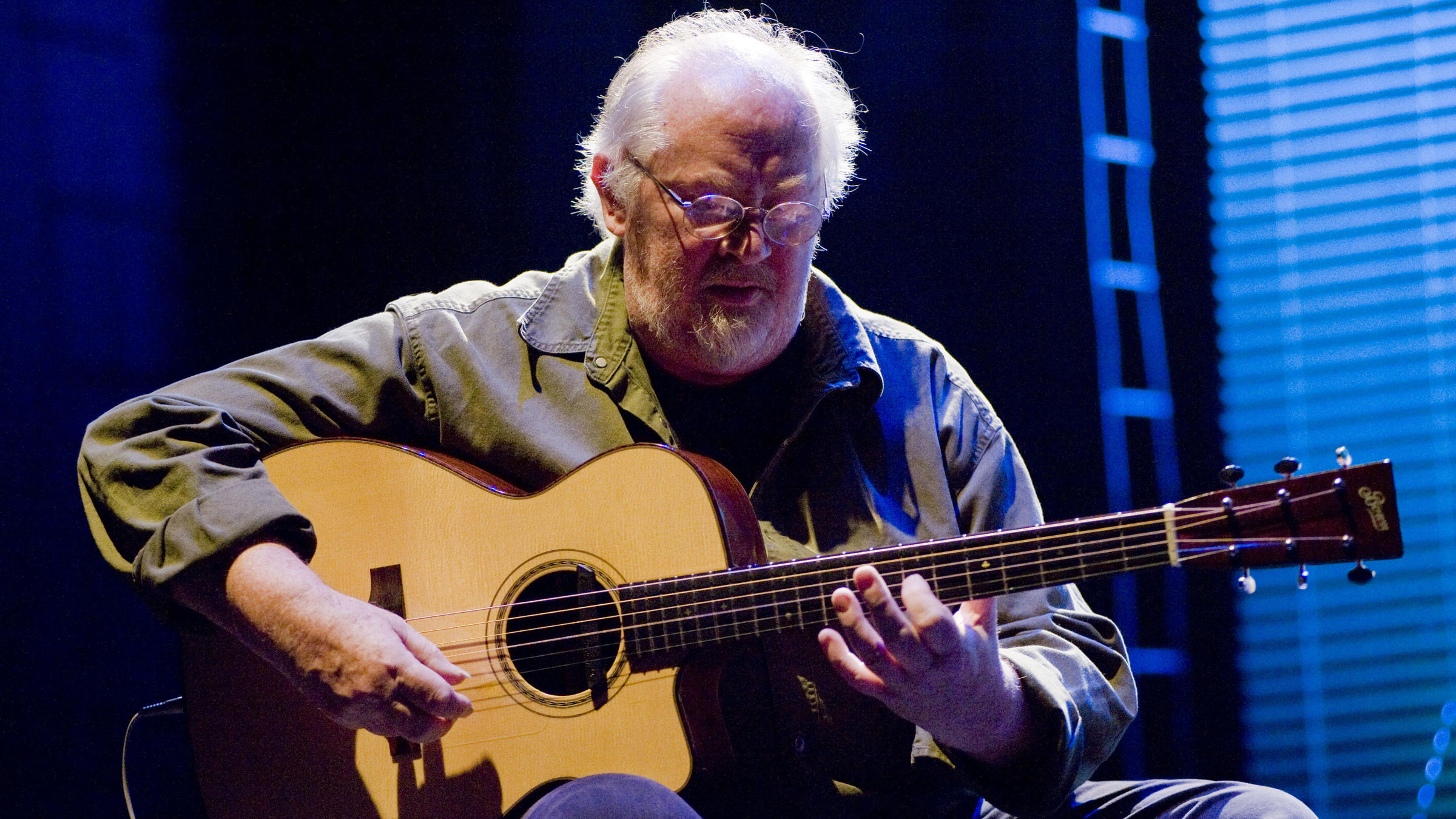 Influential guitarist john renbourn co founder of for 67 st pauls terrace spring hill