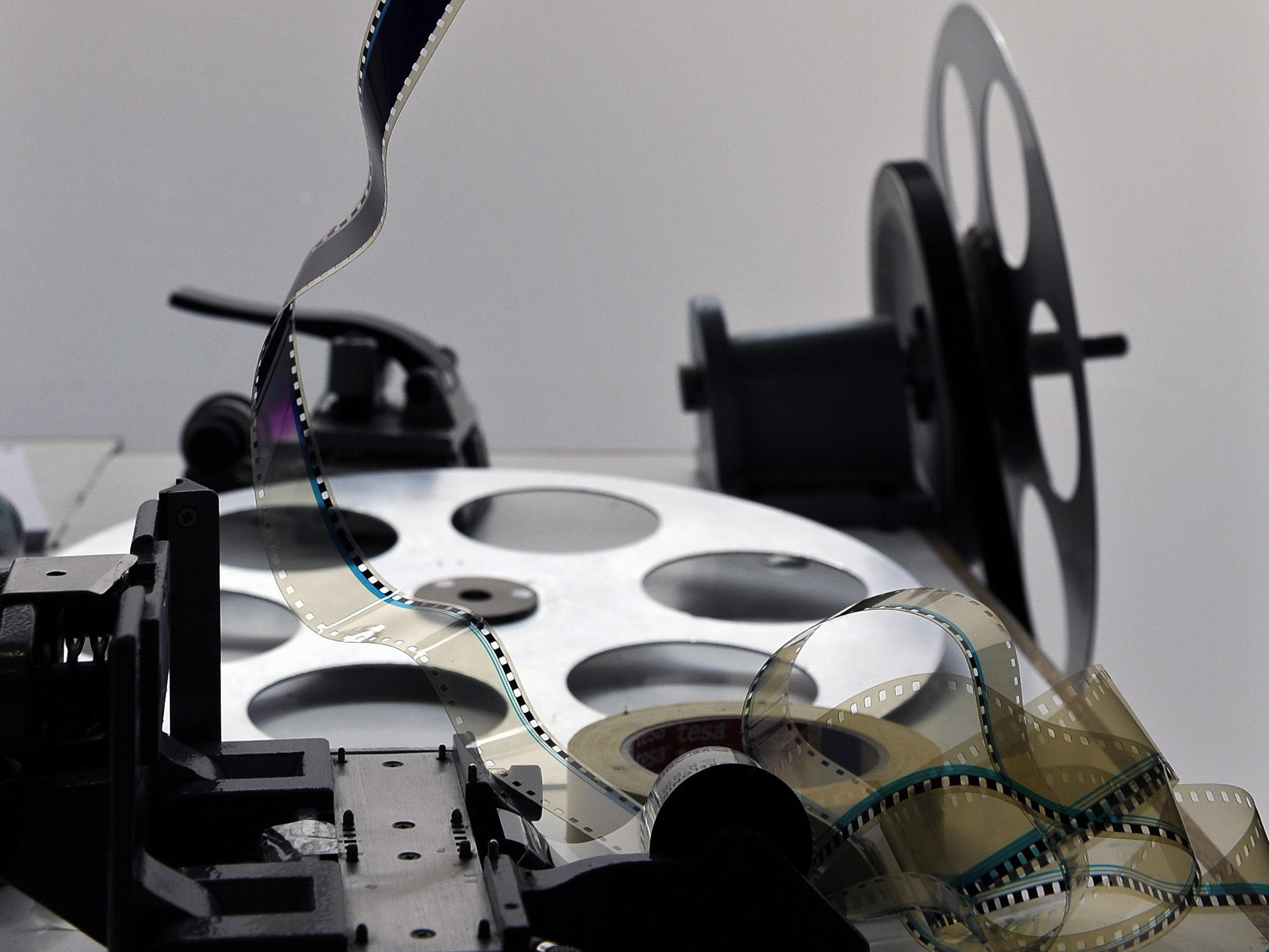 how to become a film archivist