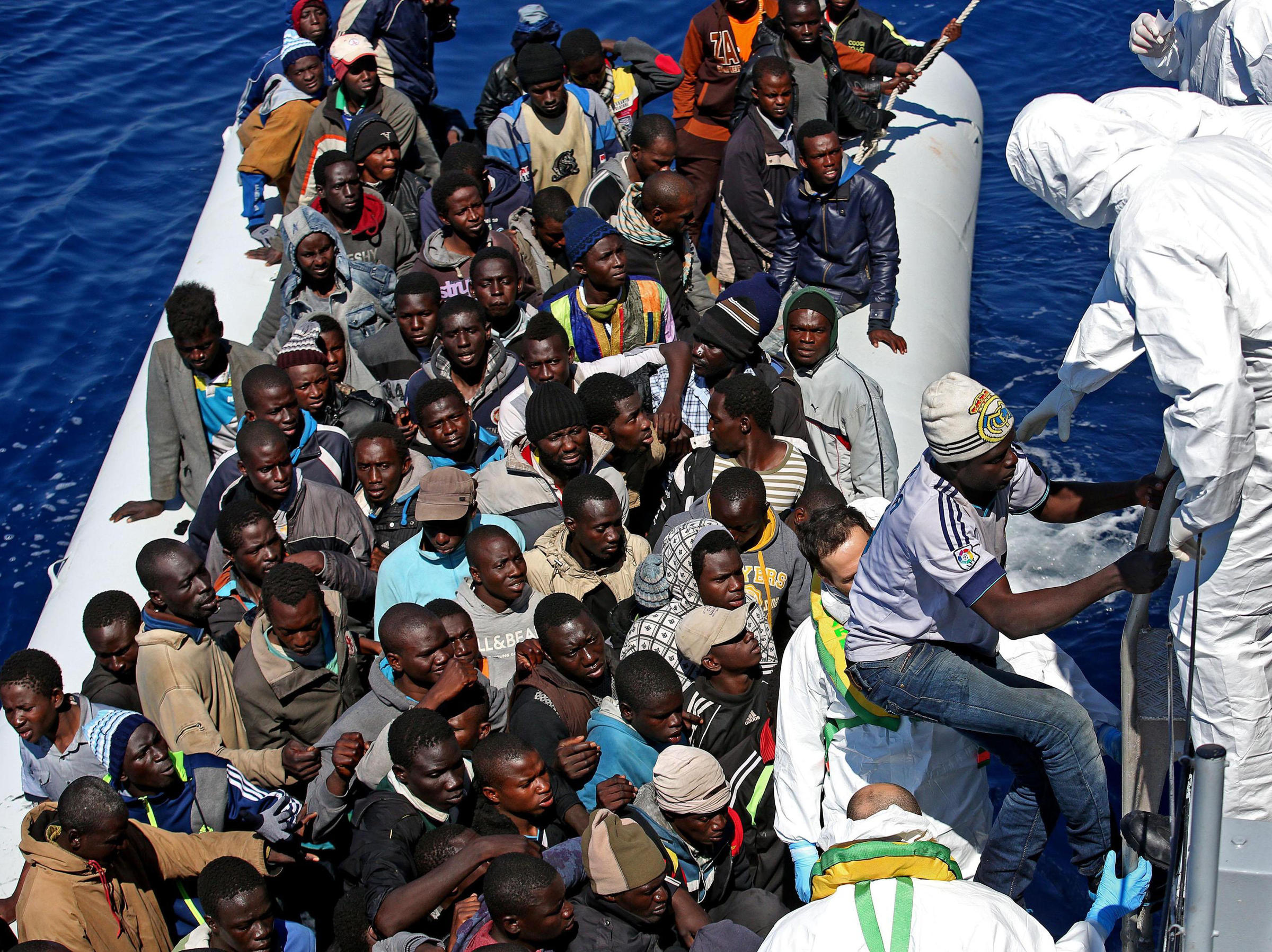 migrants to the coast By hamdi yıldız tripoli, libya libyan coast guards rescued 324 migrants, including 35 women and 16 children, on monday off the coast of northwestern libya, local.