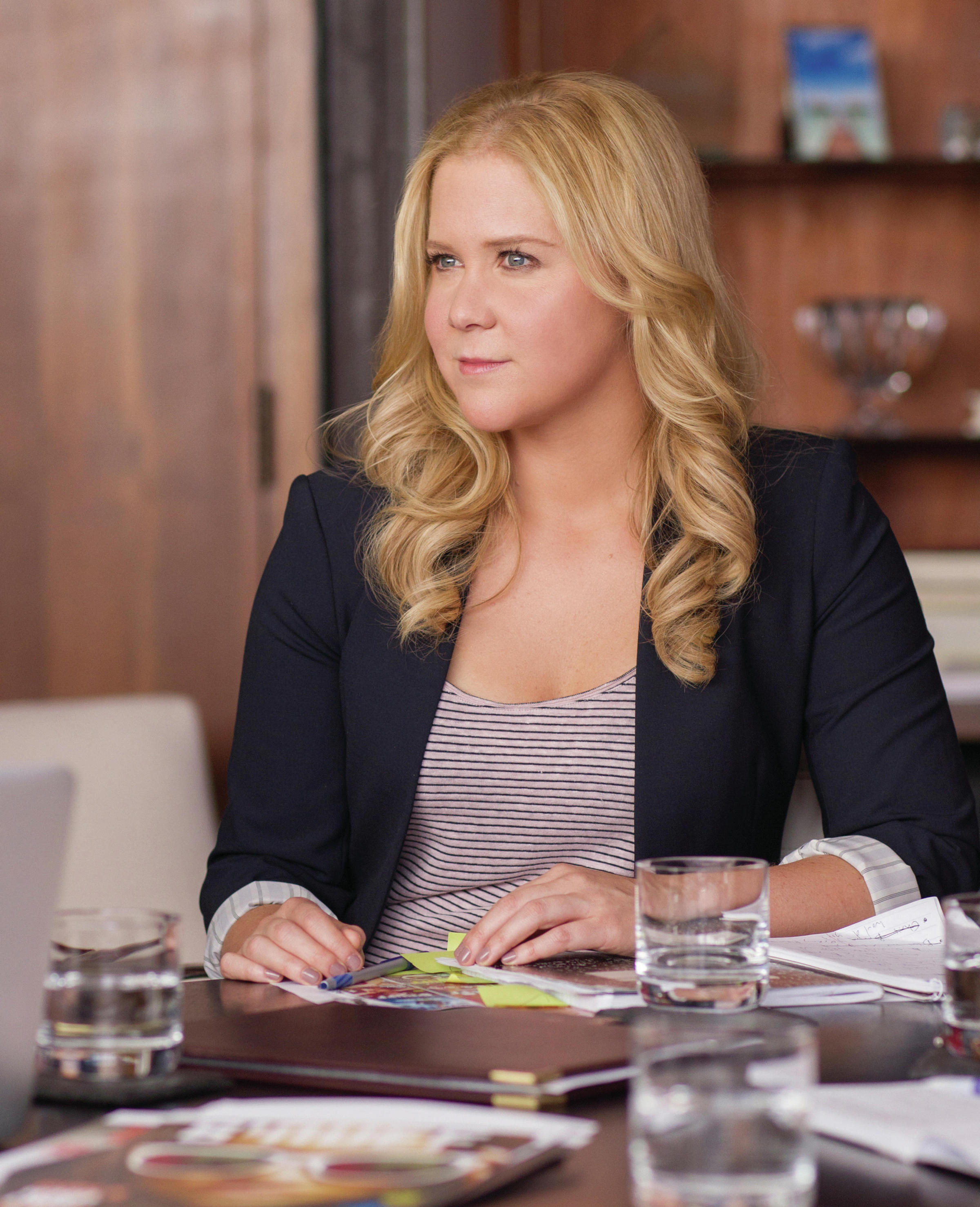 Trainwreck, written by Amy Schumer and directed by Judd Apatow, stars  Schumer as a woman who lives her life without apologies.