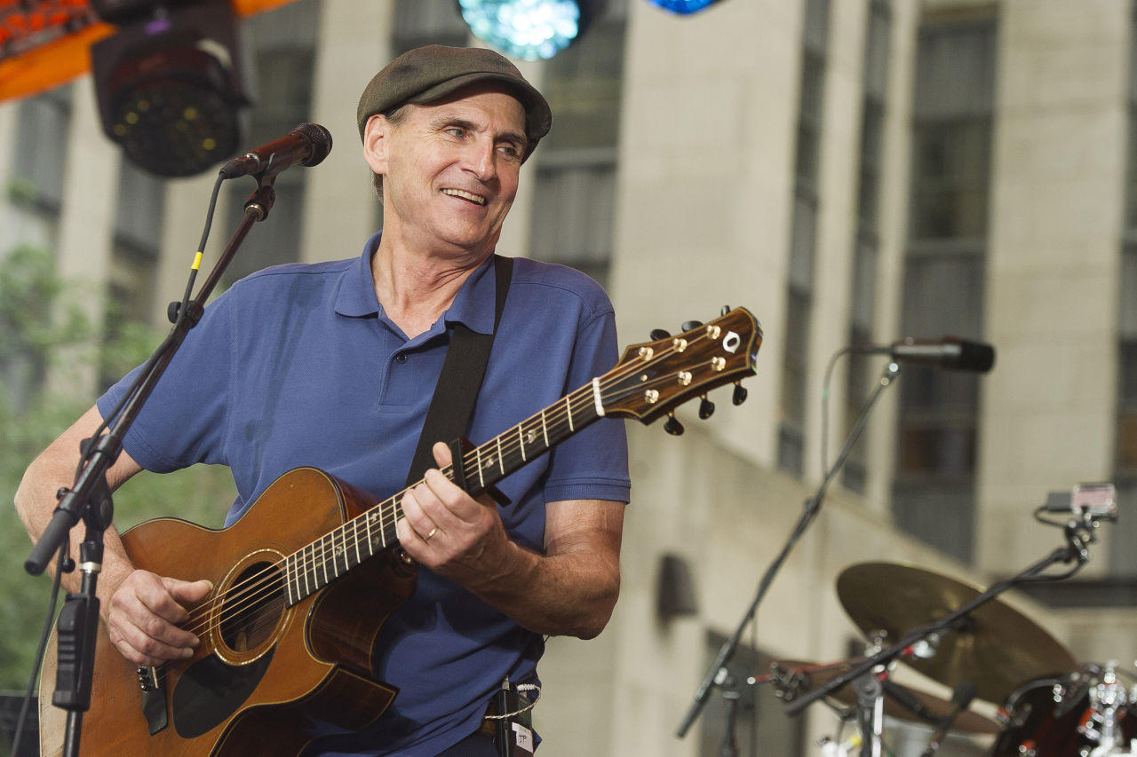 james taylor is 39 gobsmacked 39 by medal of freedom honor. Black Bedroom Furniture Sets. Home Design Ideas