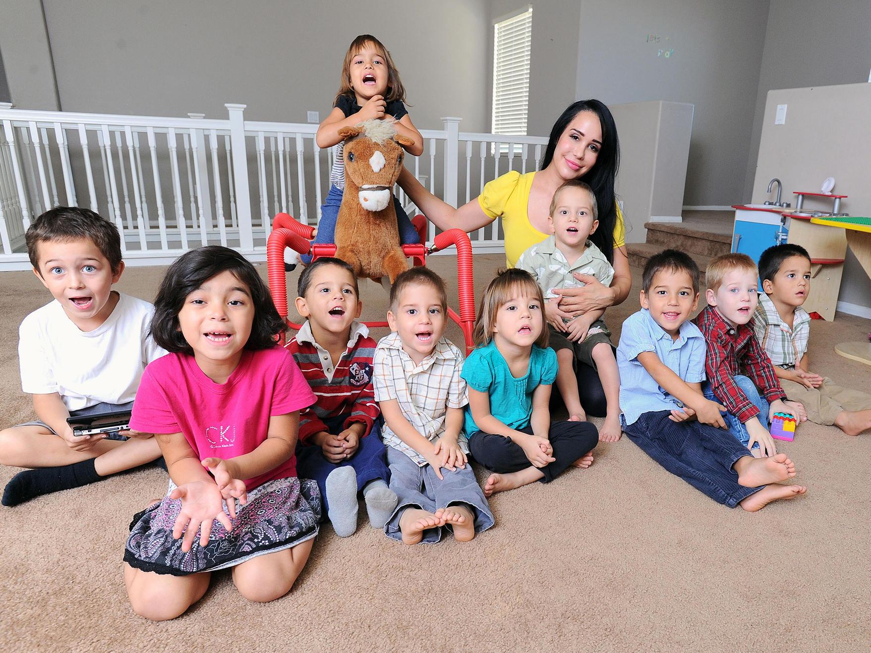 Восемь детей родила фото