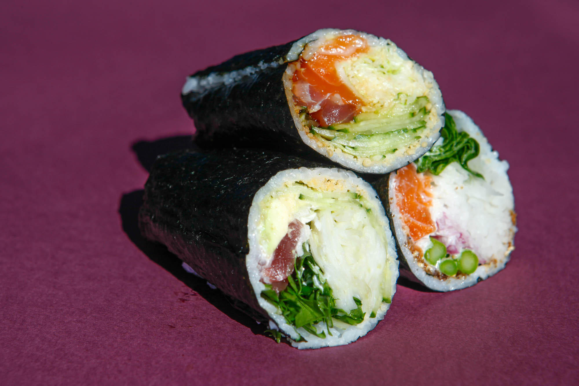 Sushi: what is it, how are they cooked and how are they eaten. Japanese food 24