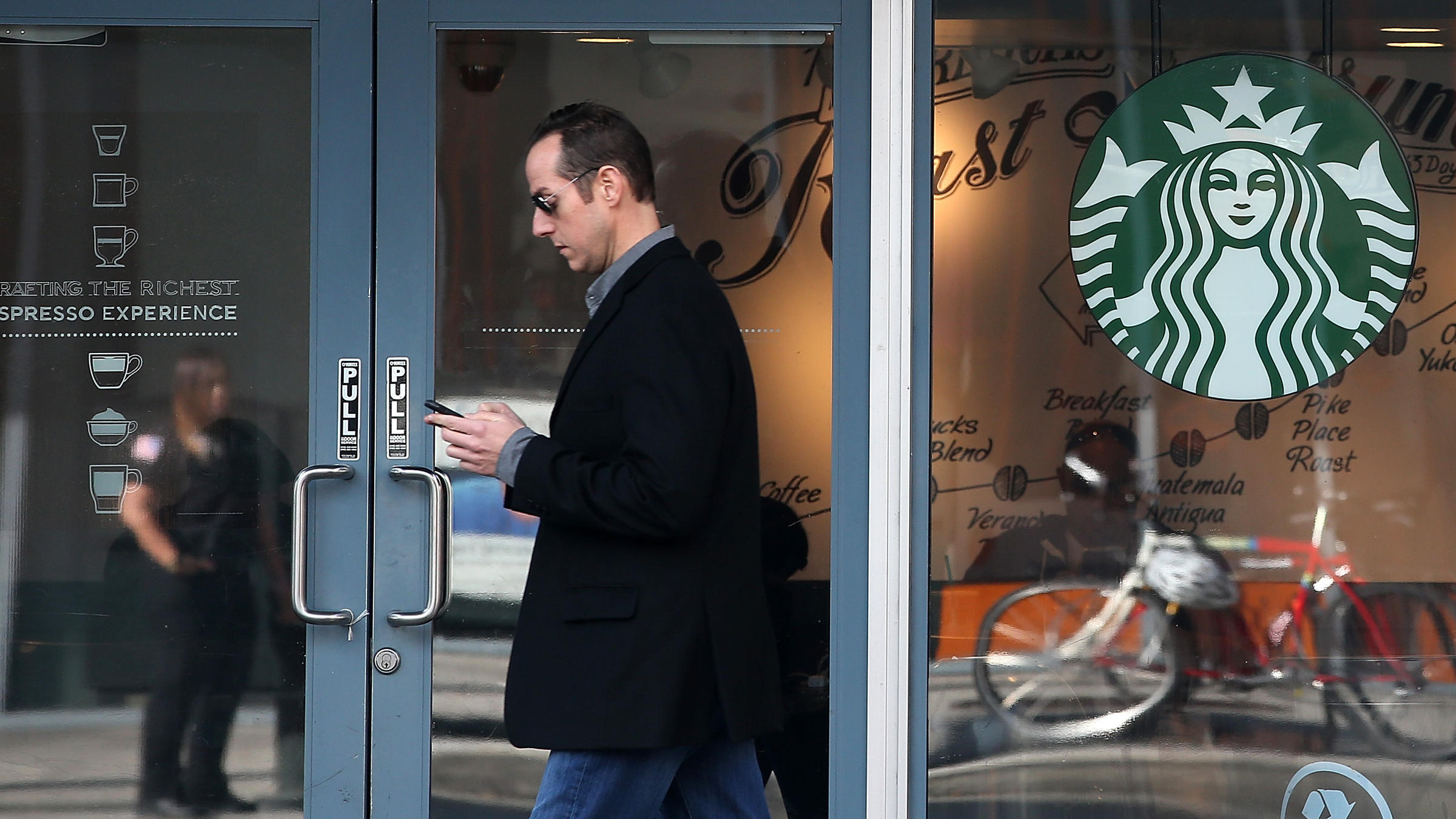 Starbucks plans first store in italy 39 with humility and for Starbucks italie