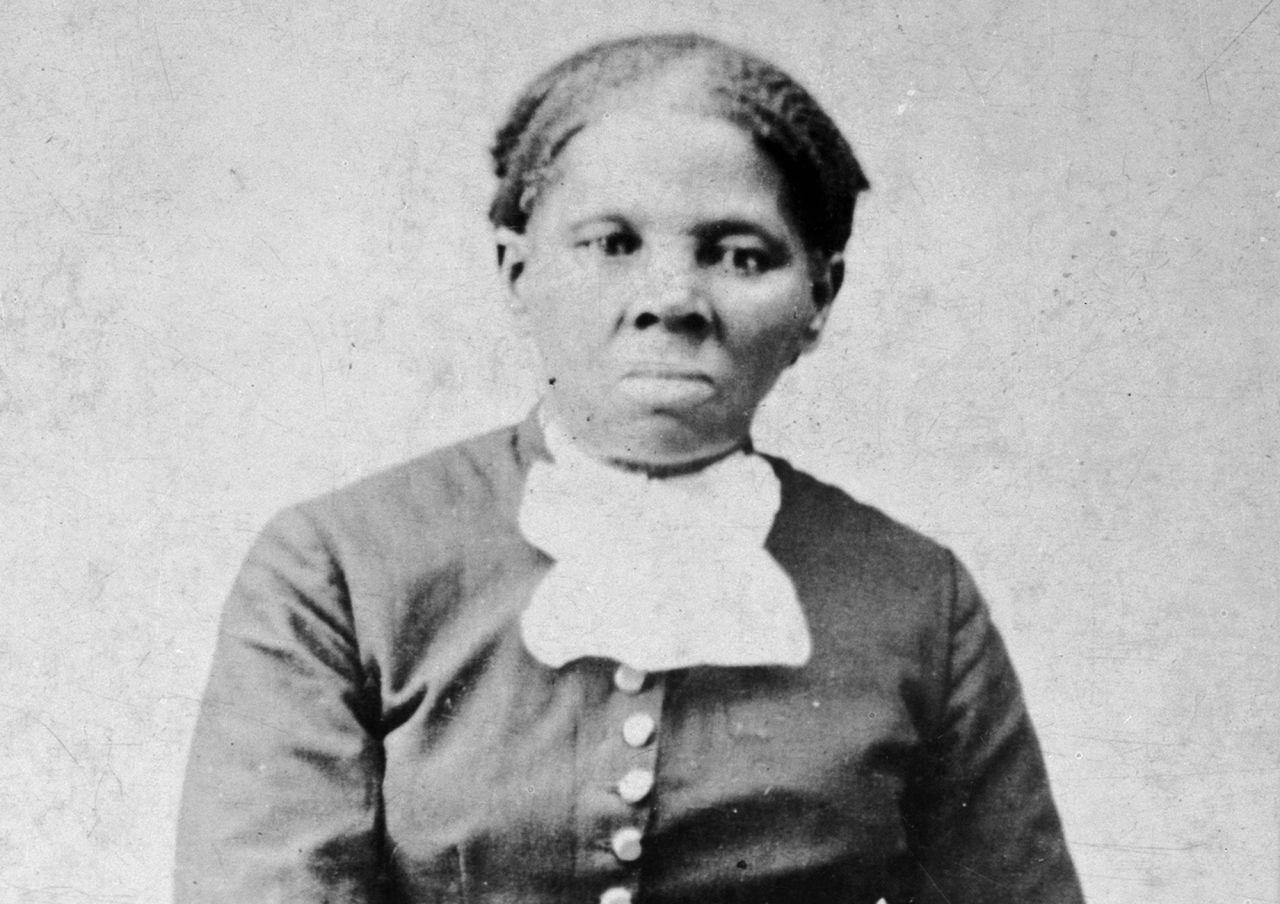 Oprah Winfrey Riding Behind Harriet Tubman $20 Bill, Reveals Her Second Choice