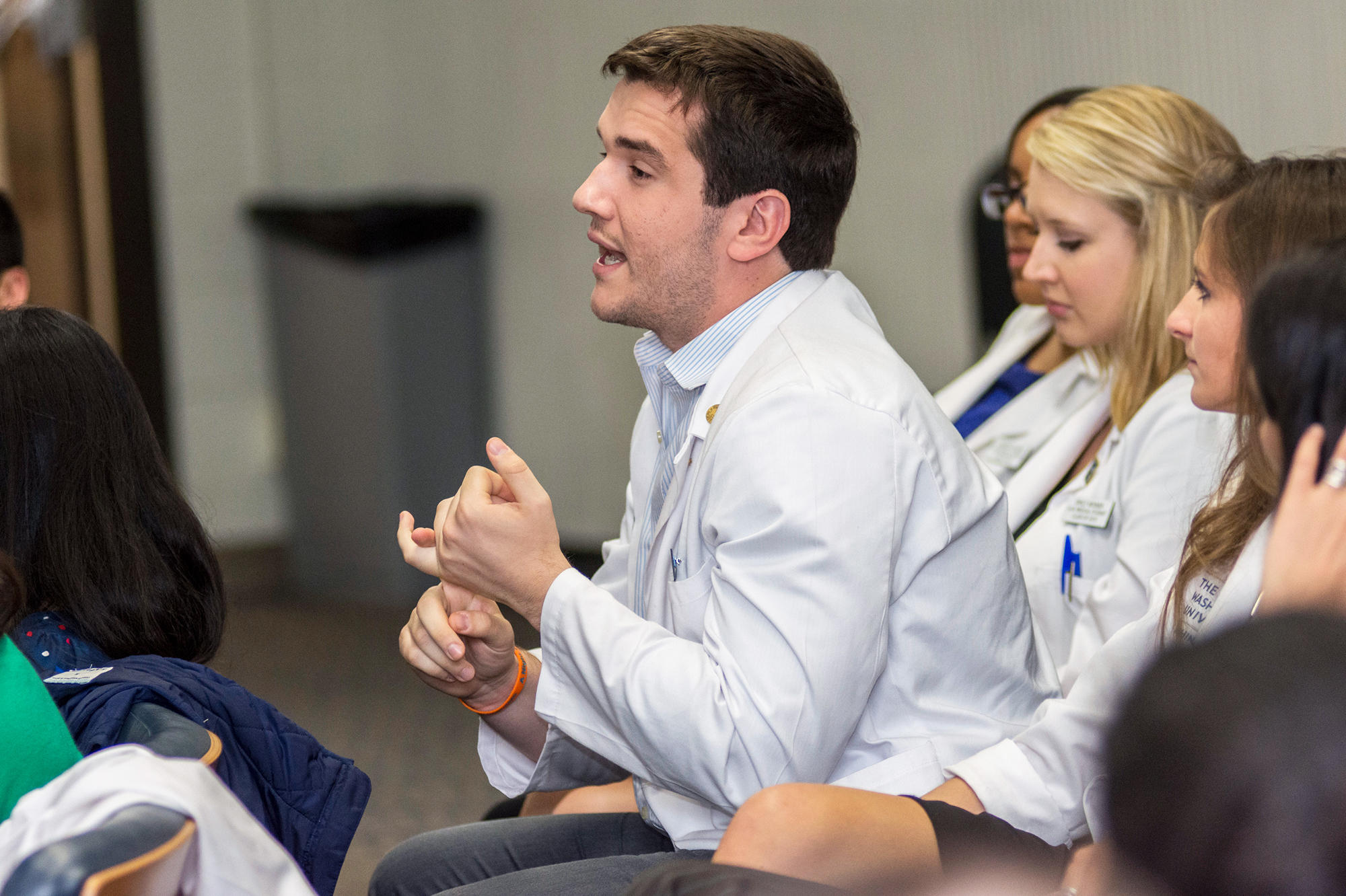 med students dating residents Medical students meet their residency matches across wisconsin the first class of students of students at the medical college of wisconsin green bay campus are ready to enter the next phase of medical training.