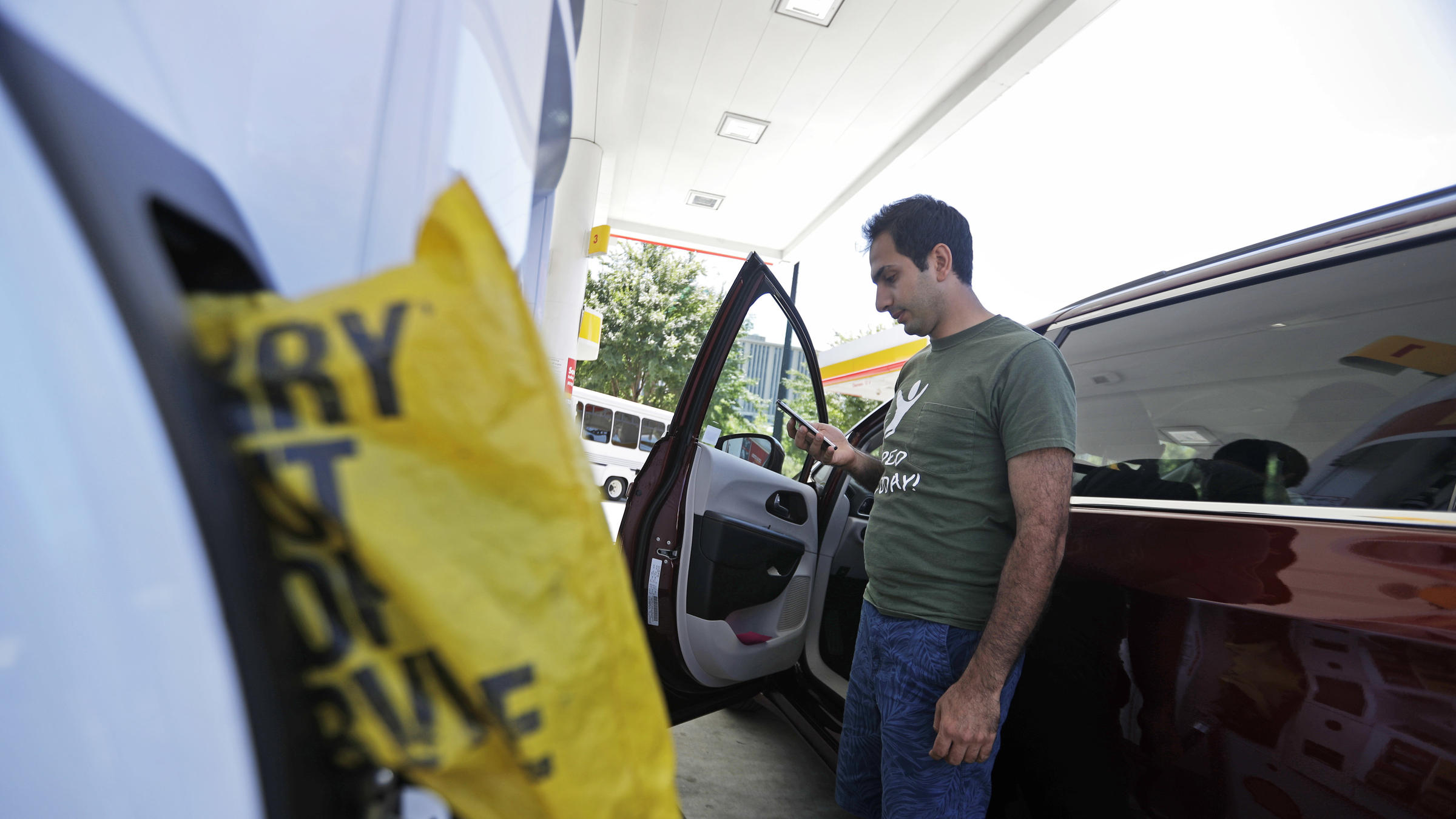 Company aims to restart gasoline pipeline Wednesday evening