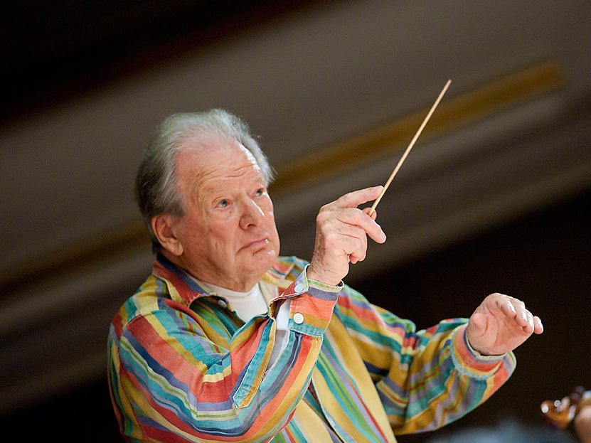 Conductor Neville Marriner dies, founded London orchestra