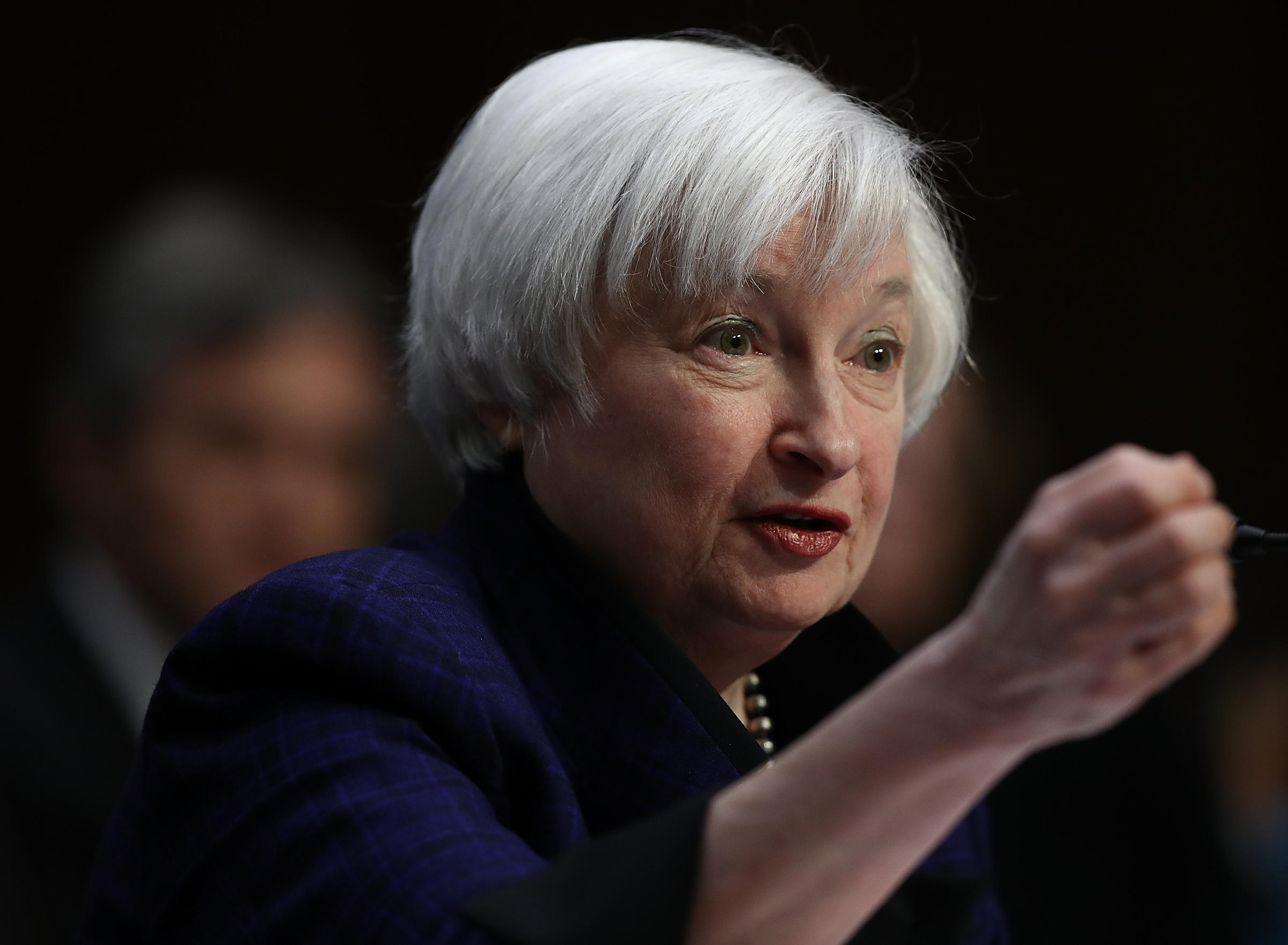 Yellen affirms interest rate hike likely