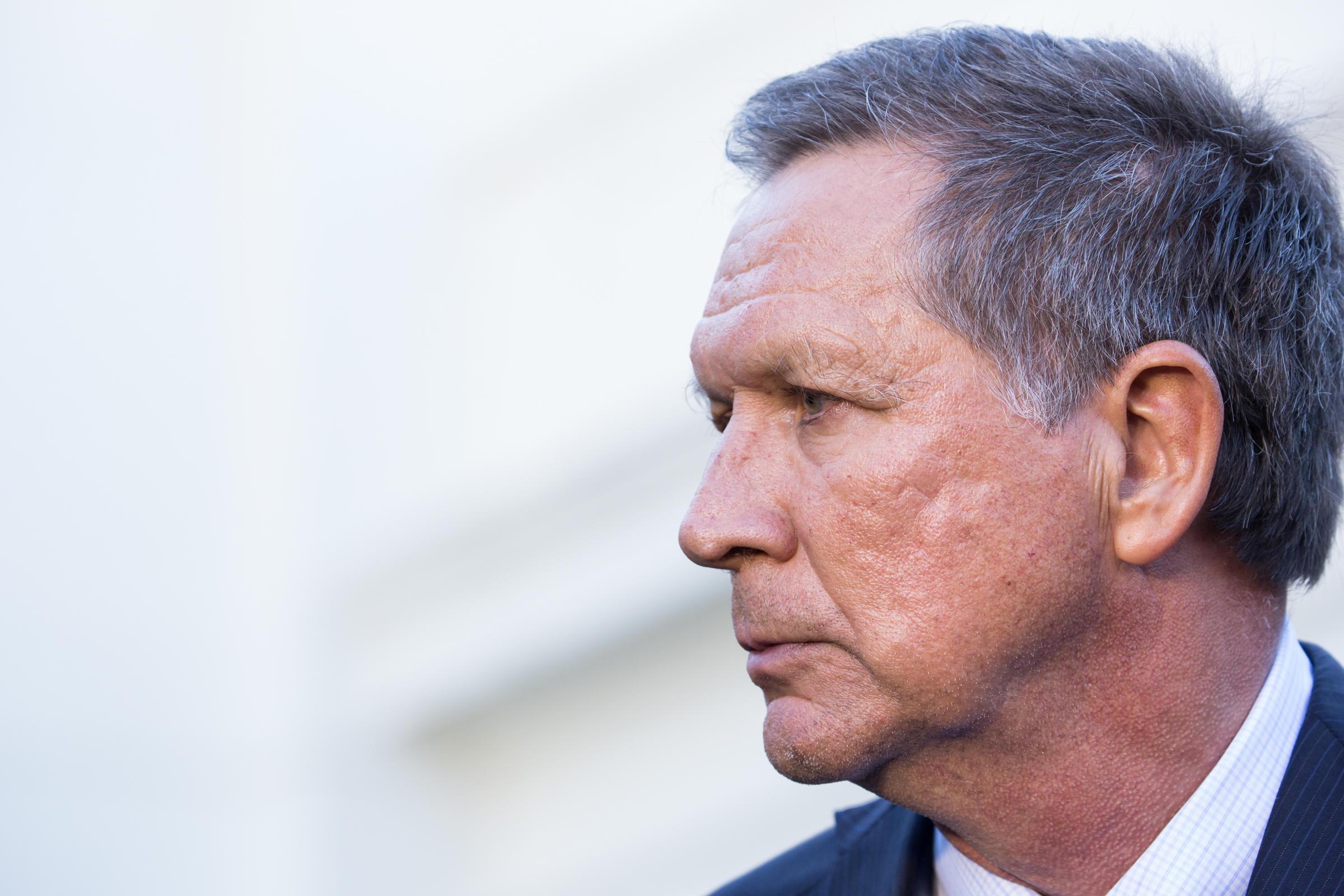 Ohio Gov Kasich Signs 20 Week Abortion Limit Rejects