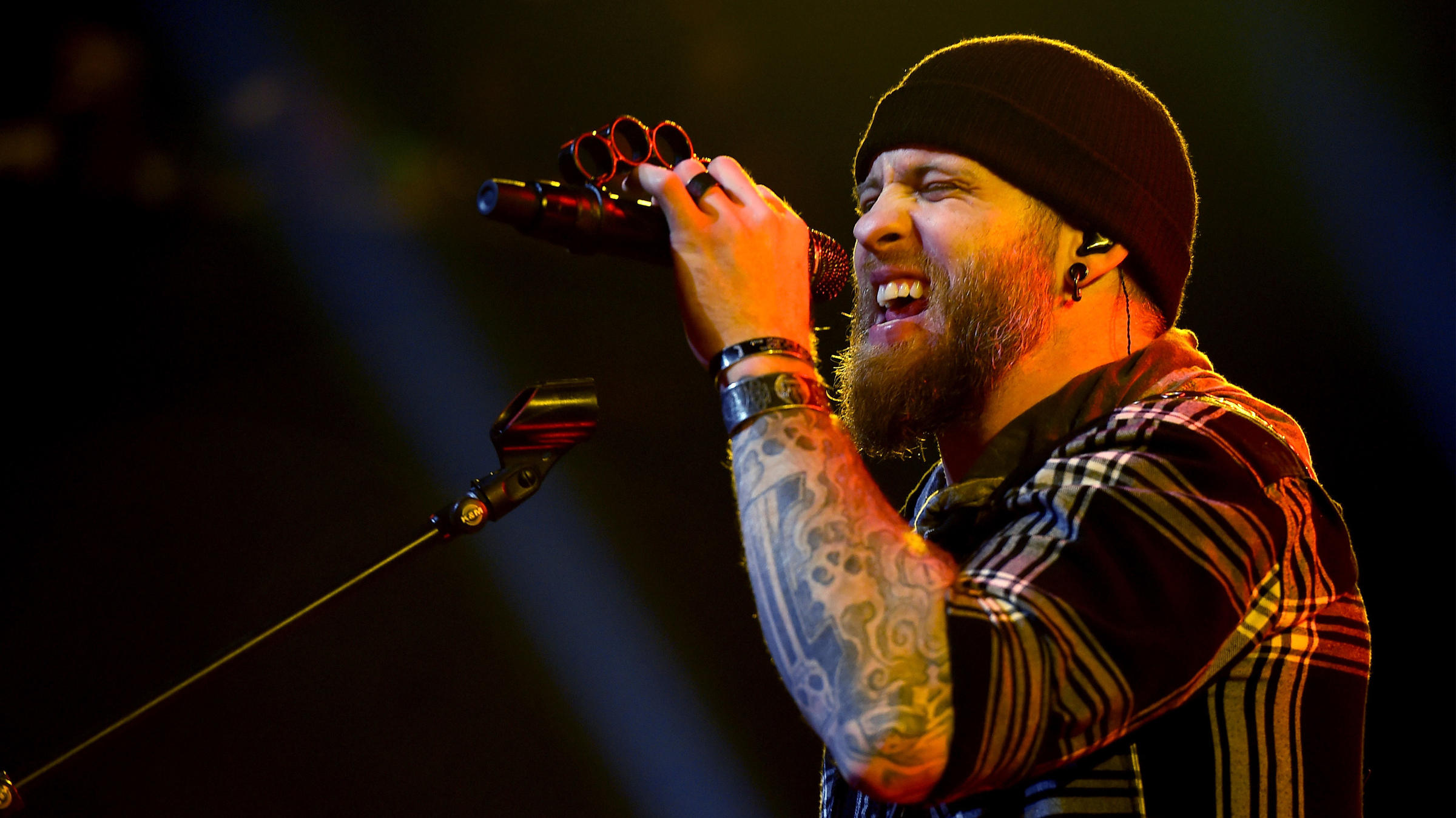 Brantley Gilbert Doubles Down On Bro Country | KTEP