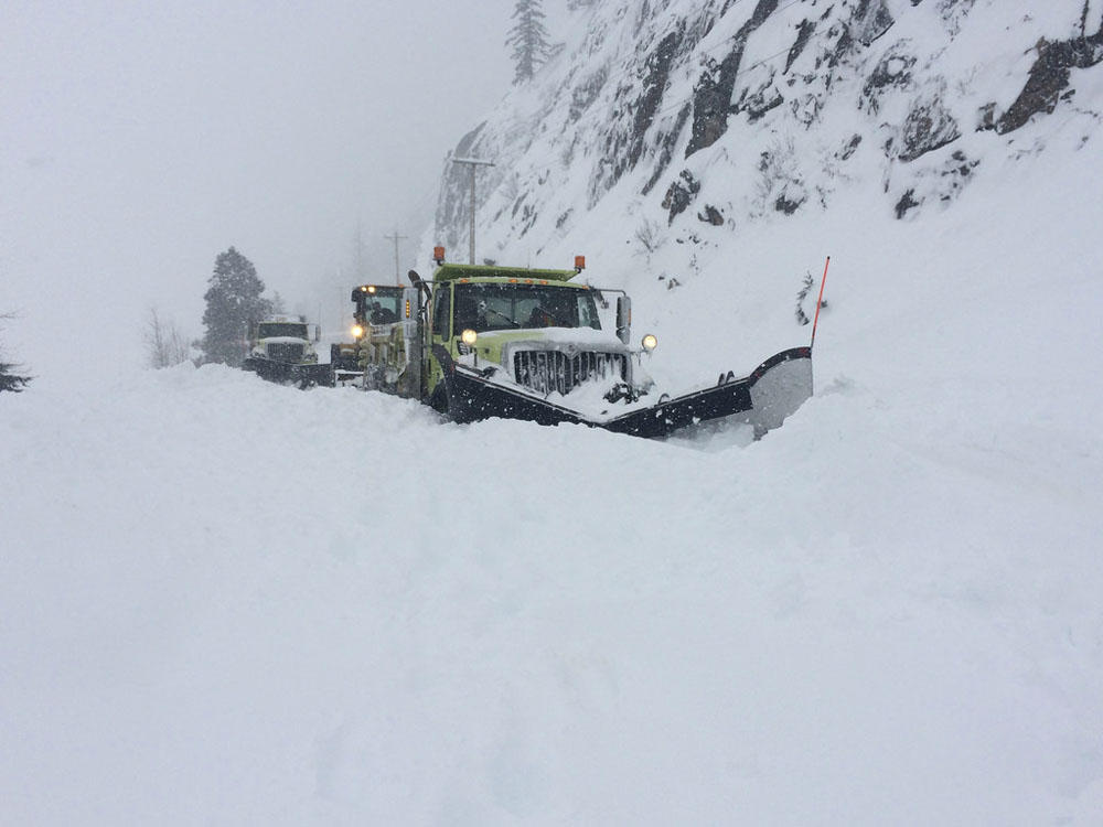 Washington's east-west mountain passes still mostly closed