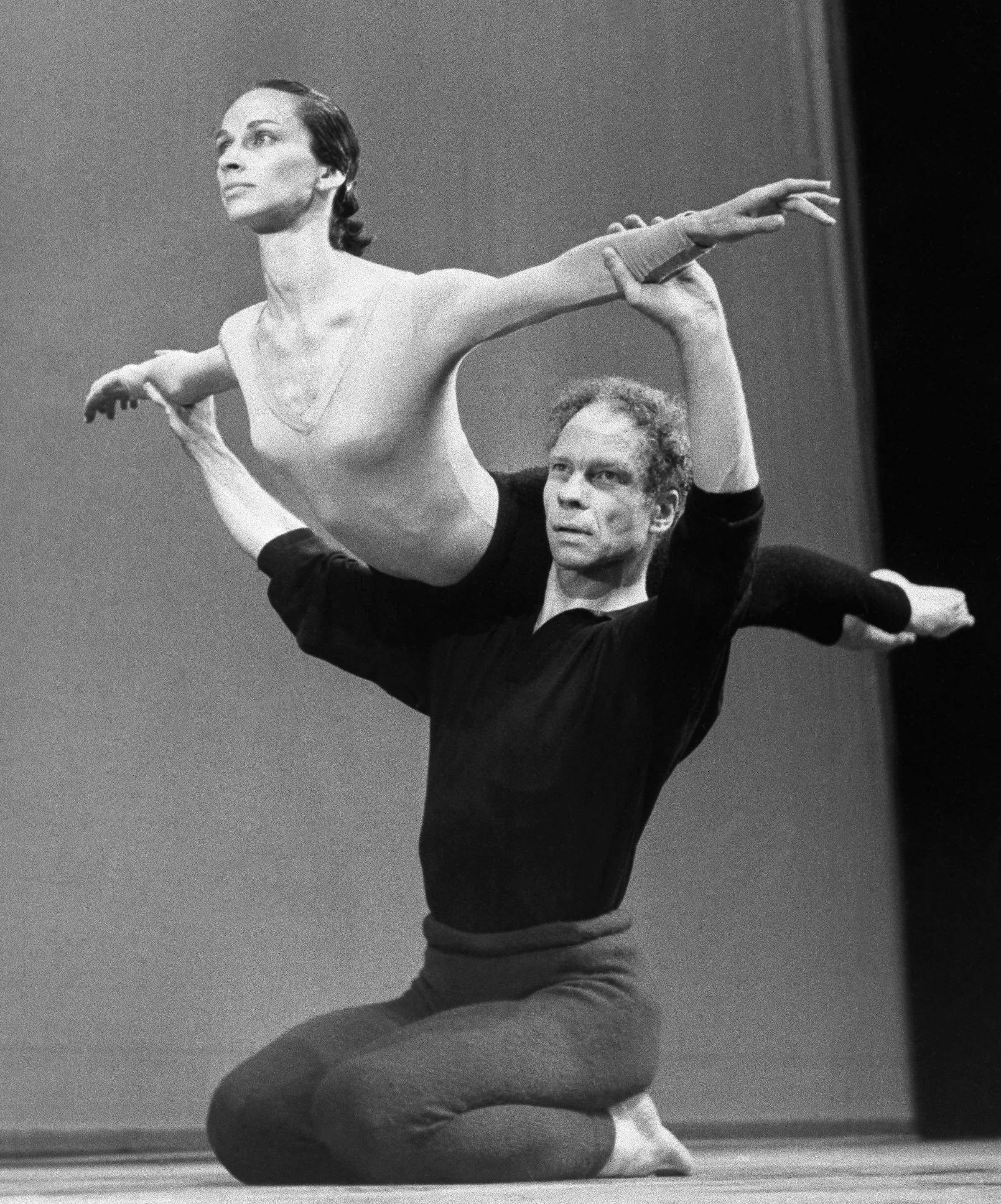 merce cunningham The last dancewhat's next even though the merce cunningham dance company no longer exists, there is a way for audiences to continue seeing some of cunningham's works the merce cunningham trust will have a library of dance capsules or digital packages of information that will help to.