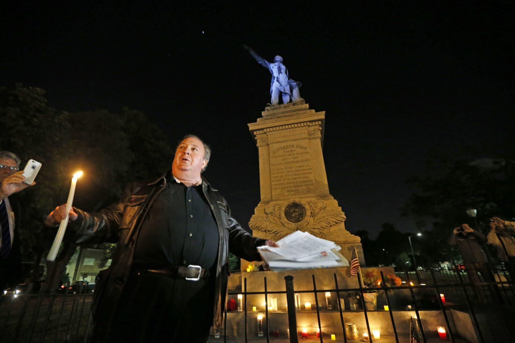 First Confederate monuments removed in New Orleans