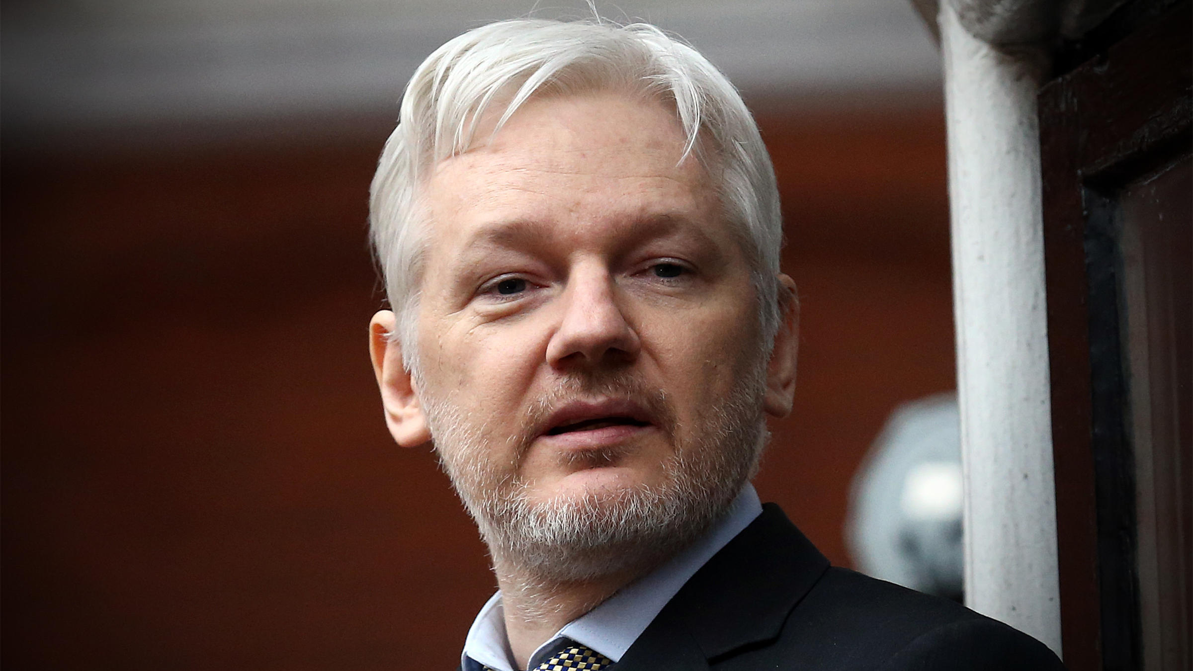 United Kingdom  says Assange will be arrested if he leaves Ecuador's embassy