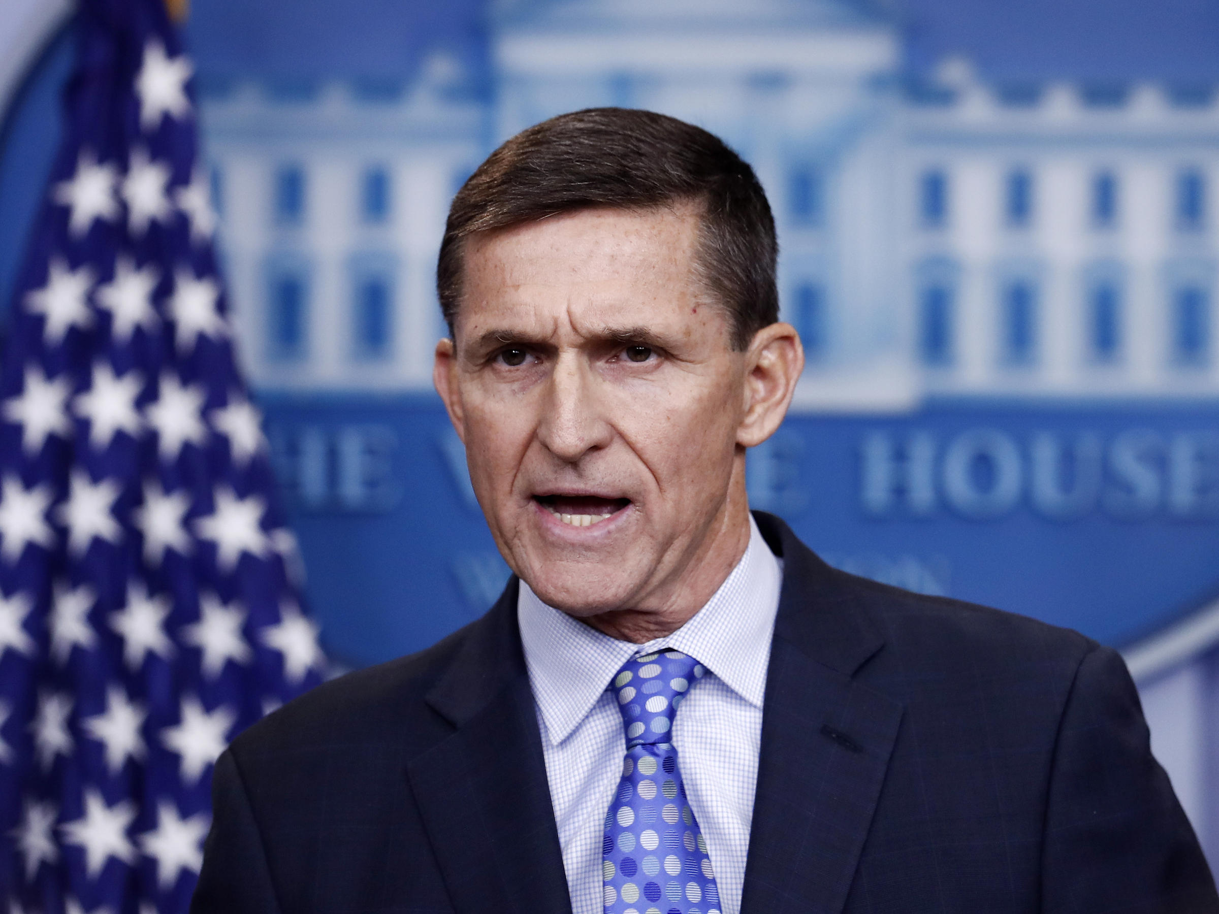Flynn to invoke 5th, won't hand over documents, source says