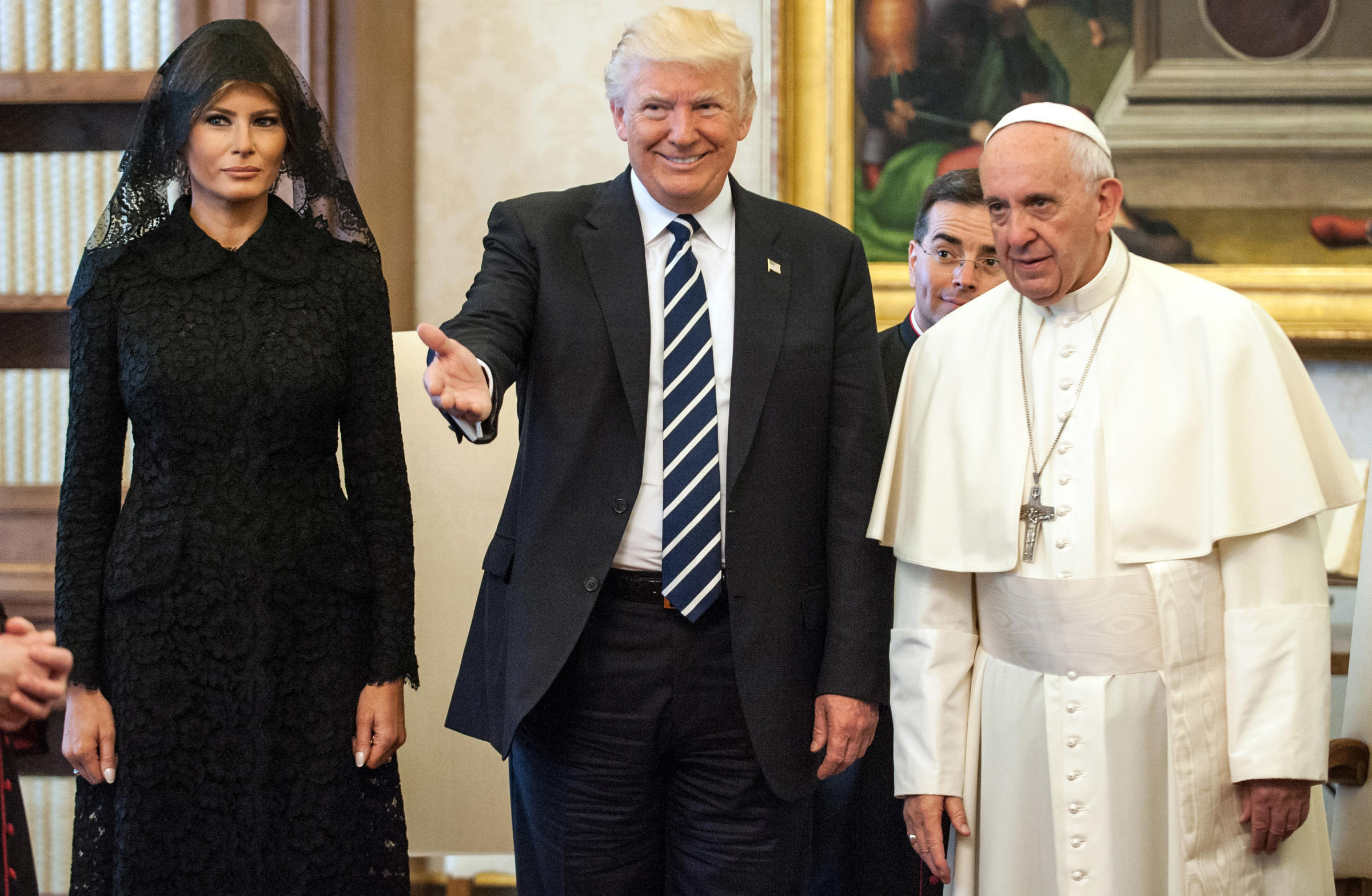 President Trump meets with Pope Francis at Vatican
