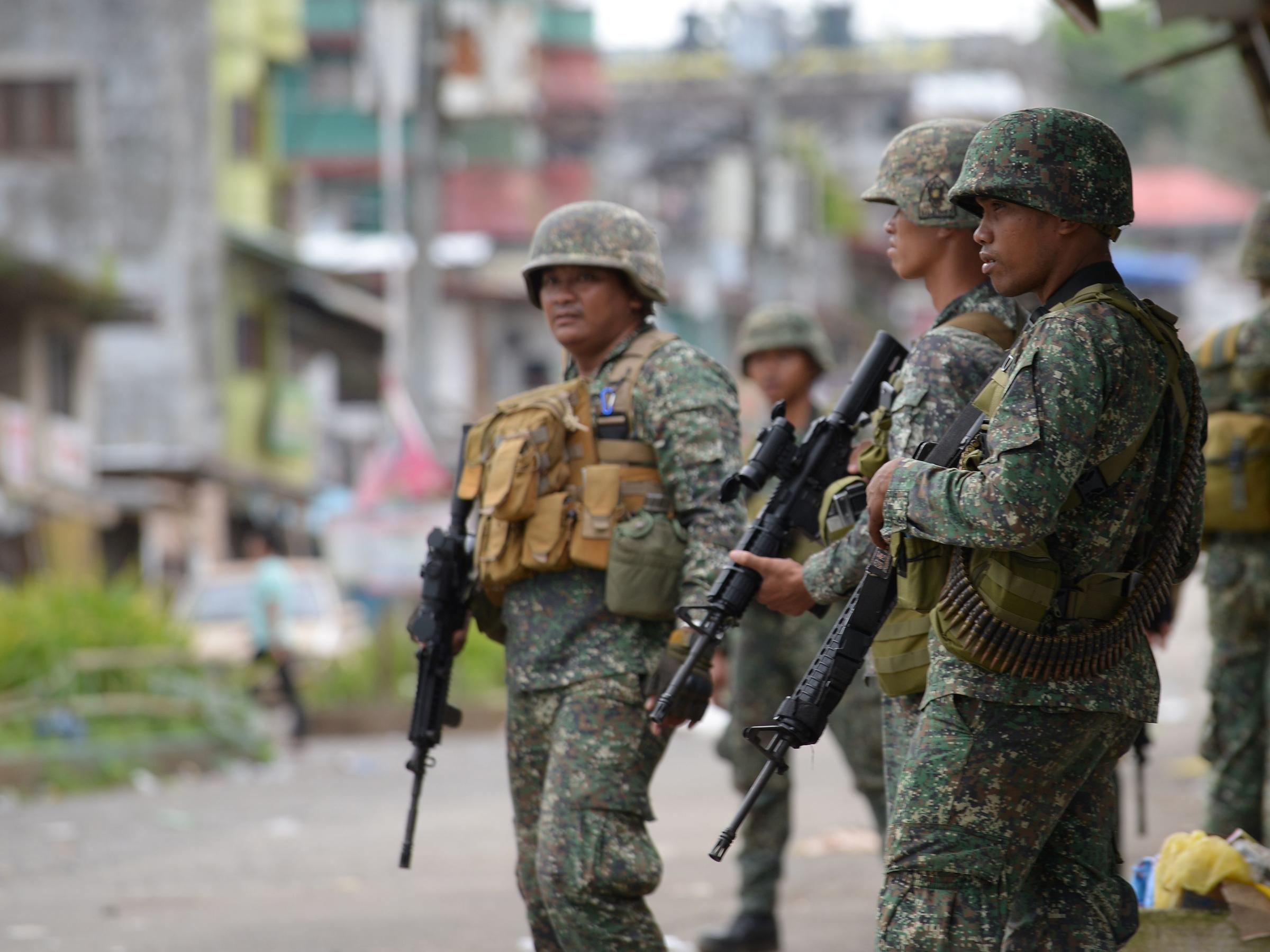 Philippine forces make gains in southern city under siege