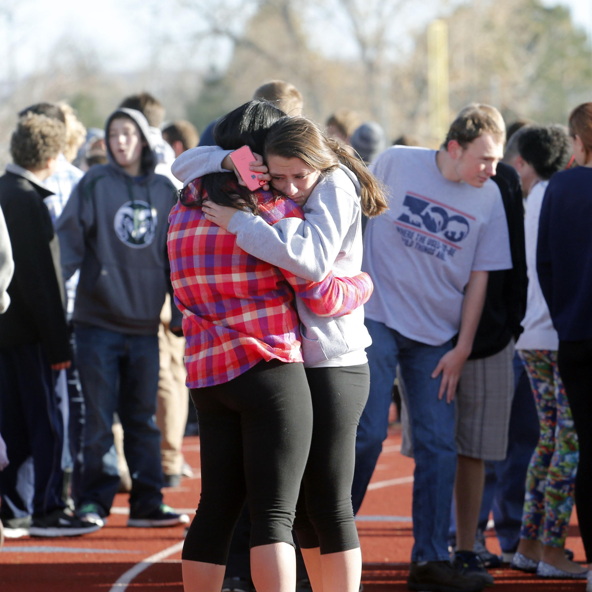 Gunman Dead One Other Student Shot At Arapahoe High: 2 Students Injured, Suspected Shooter Dead At Colo. High