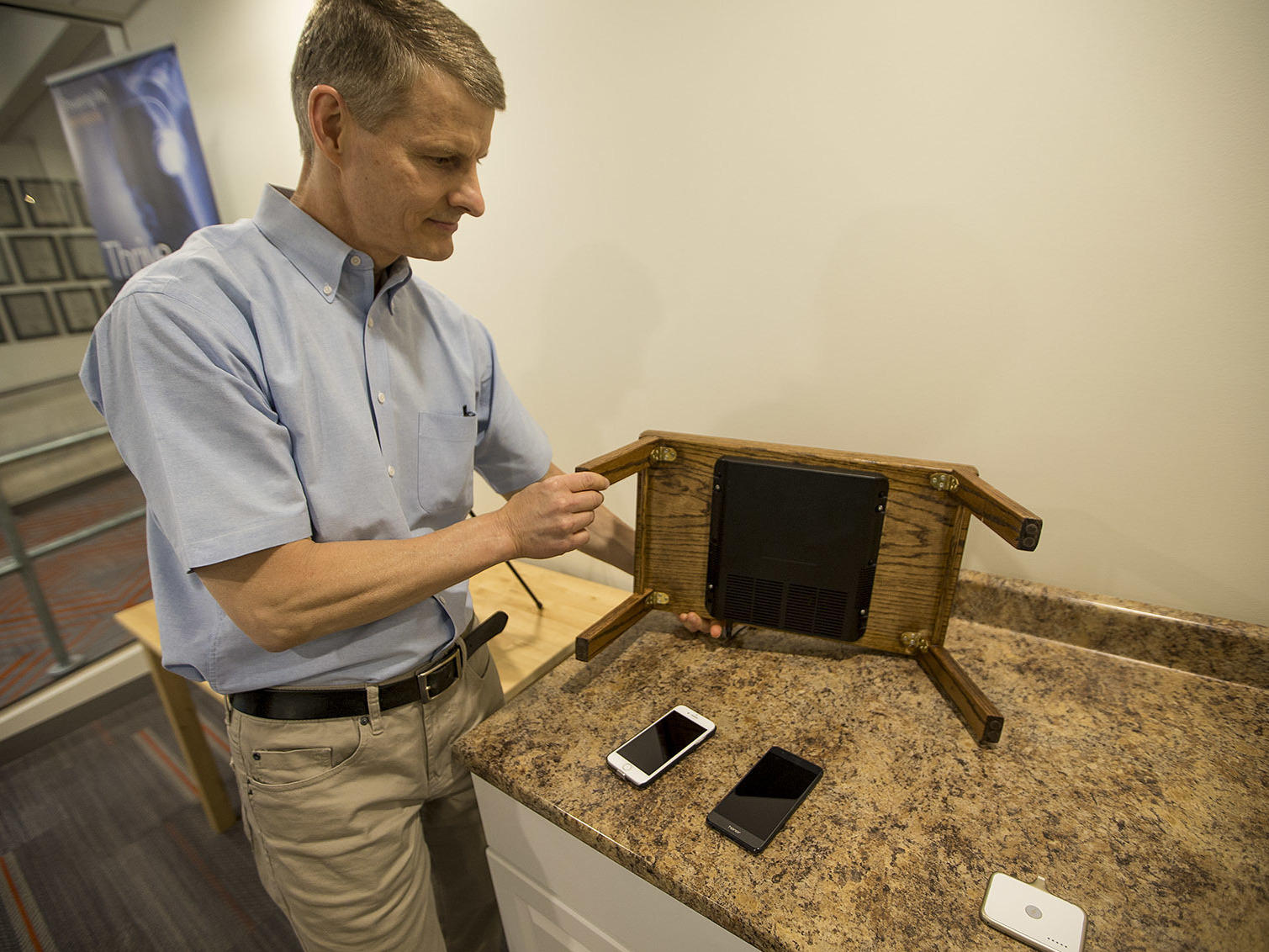 A future of gadgets without power cords not so fast wuwm - Chief information technology officer ...