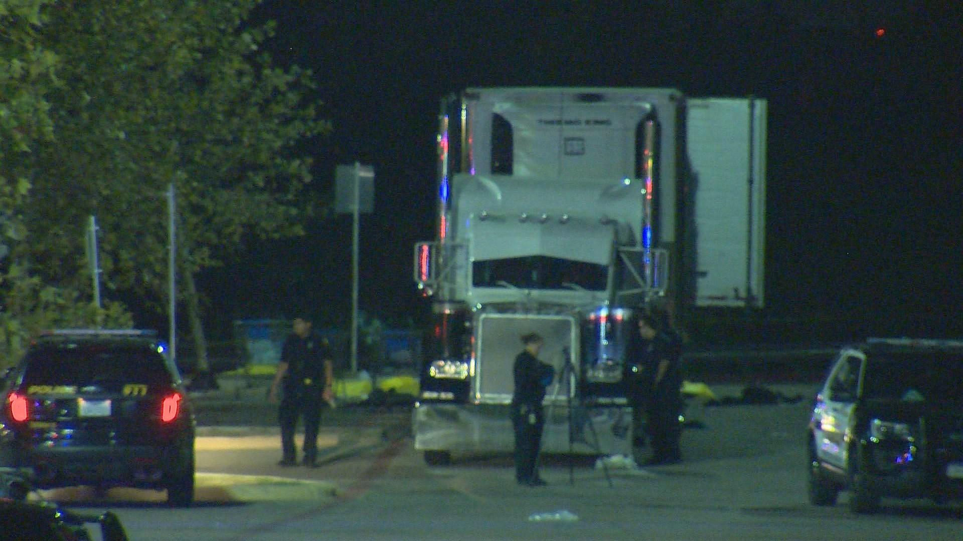 Eight people found dead in truck in Texas parking lot