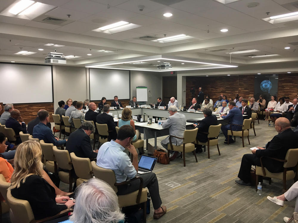 Panel OKs litigation ban for civil rights center