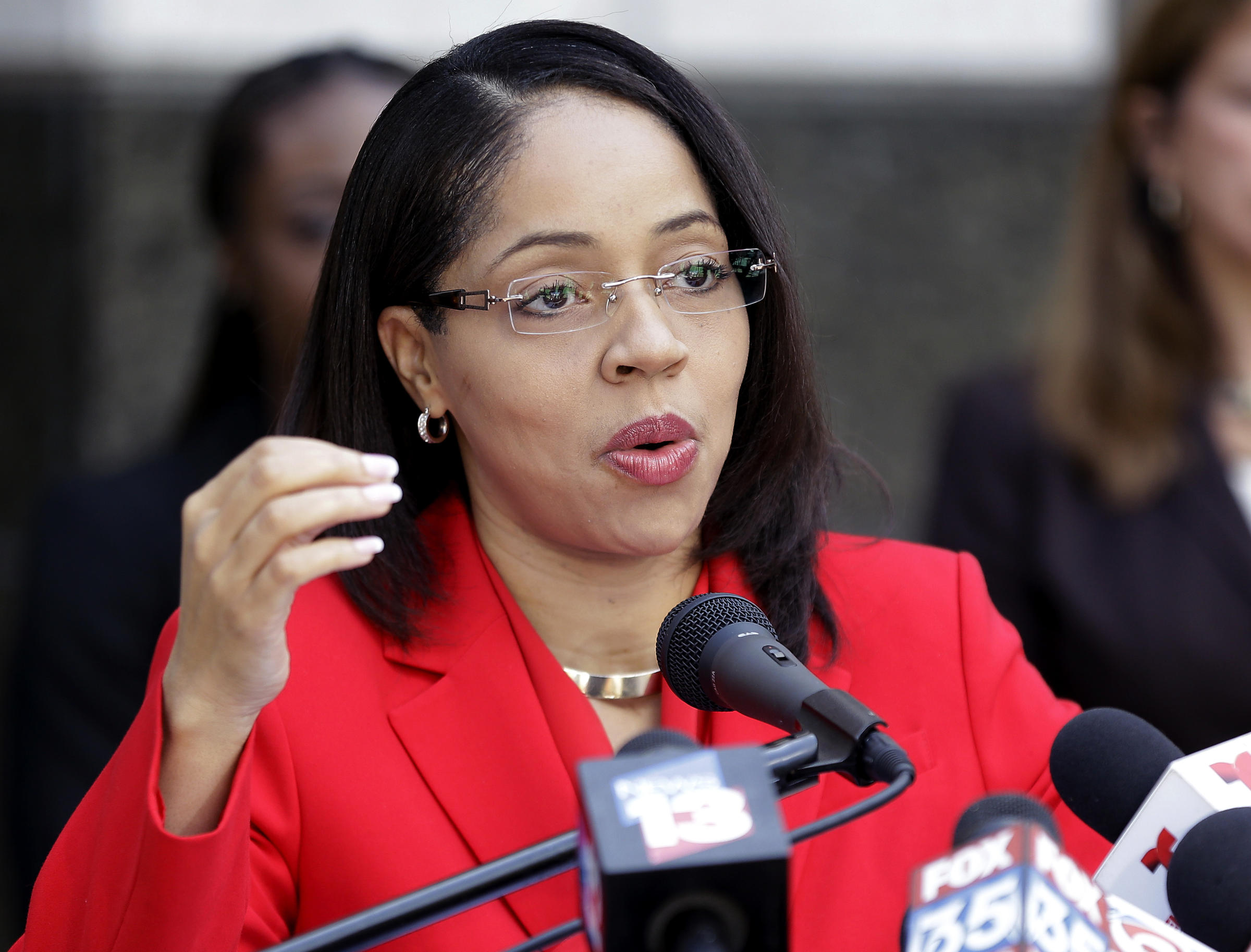 Florida governor takes 2 more murder cases from prosecutor