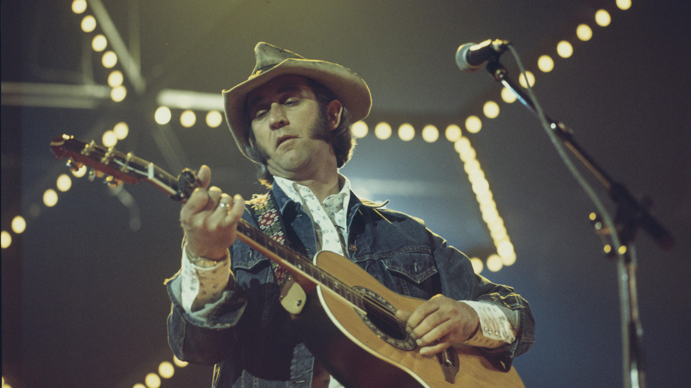 Country star Don Williams, 78, dies after short illness