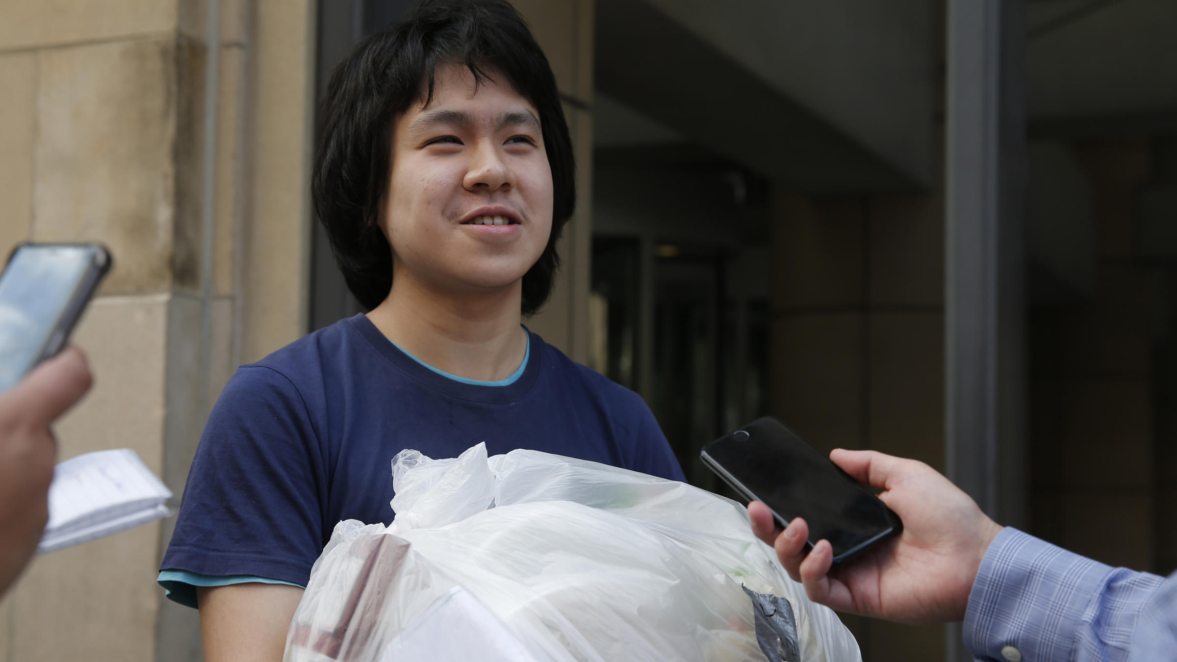 Teen blogger Amos Yee released from 10-month detention in US