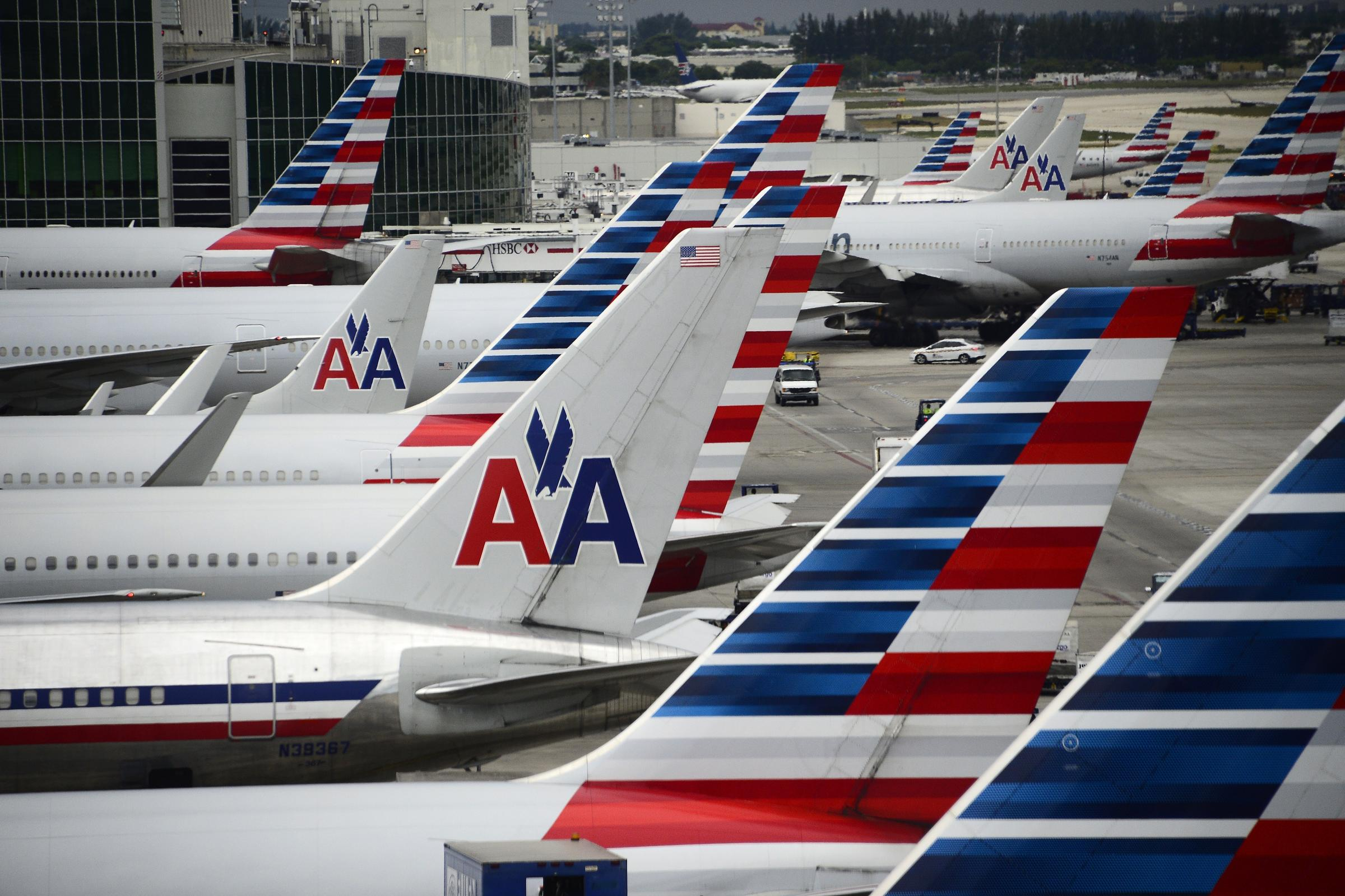 American Airlines Glitch Could Strand Thousands Of Holiday Flights