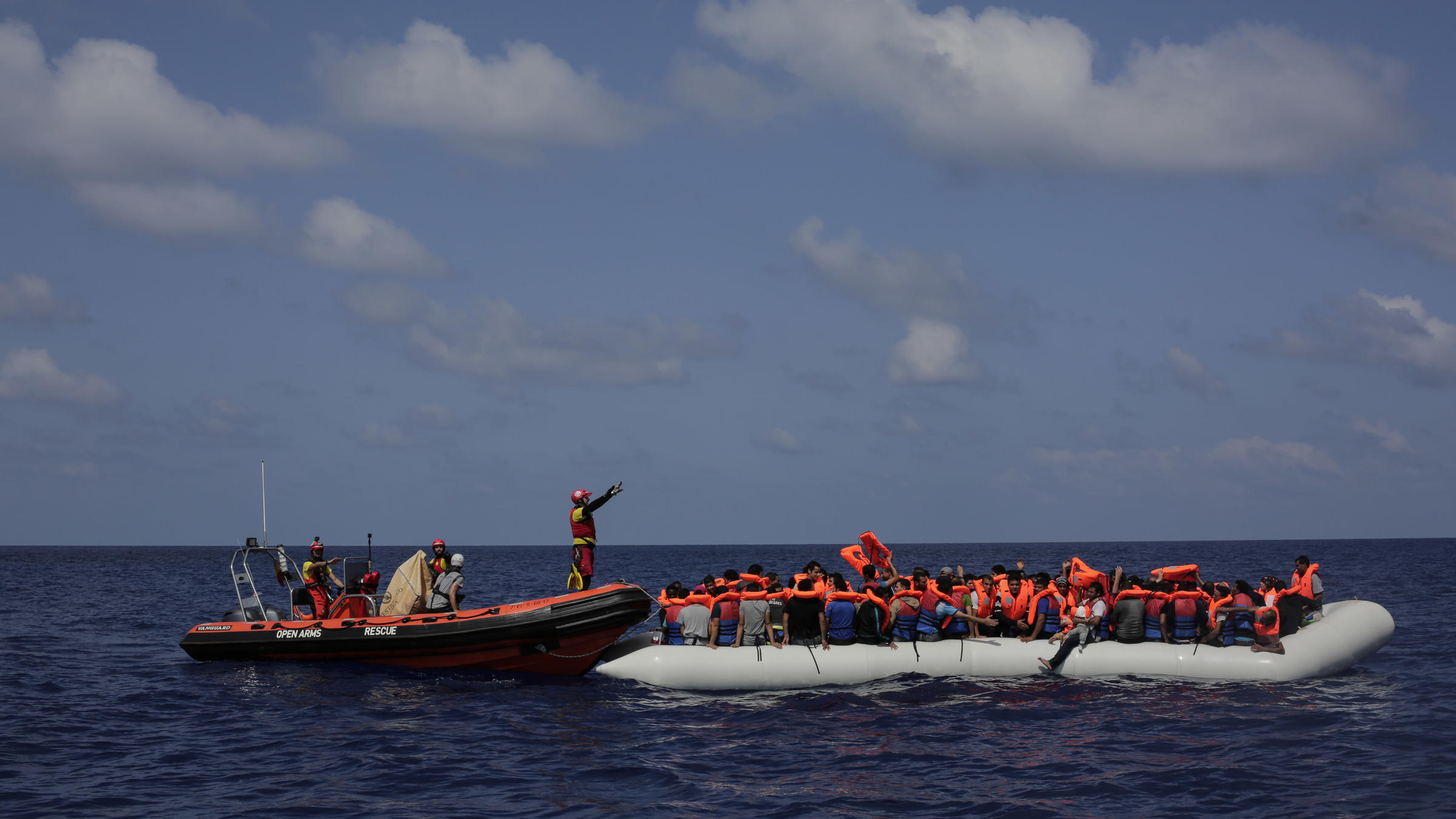 At least 25 dead in migrant shipwreck off Libya