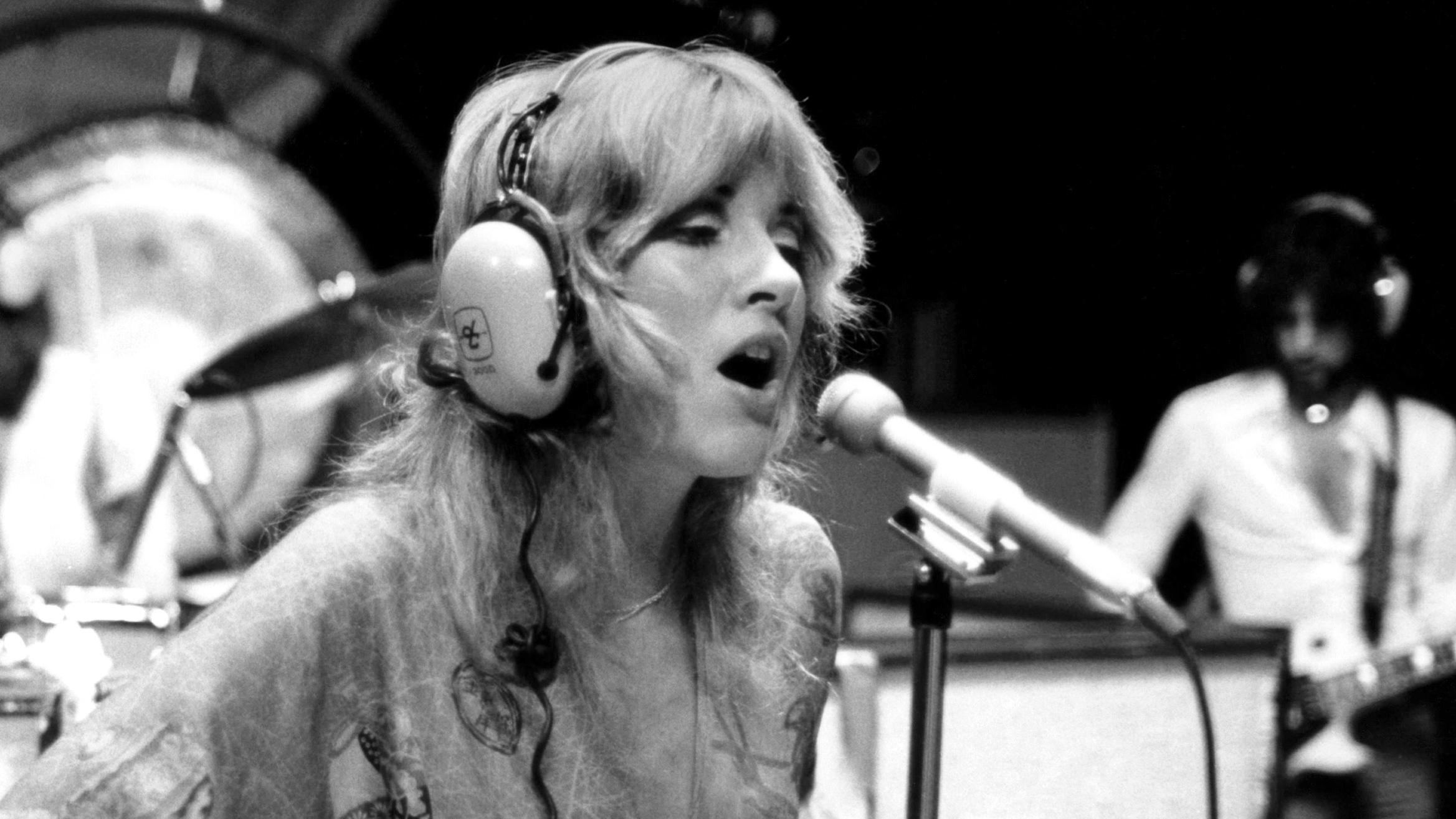 How The Elusive 'Buckingham Nicks' Established Stevie ...