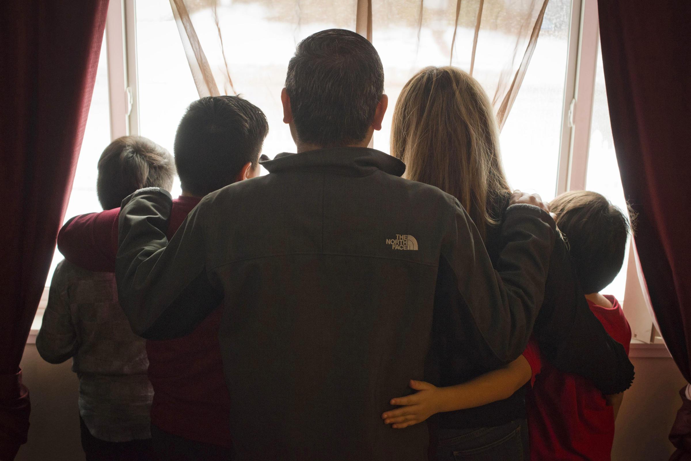 Padre esposo e inmigrante detenido y con el riesgo de - Manuel riesgo villaverde ...