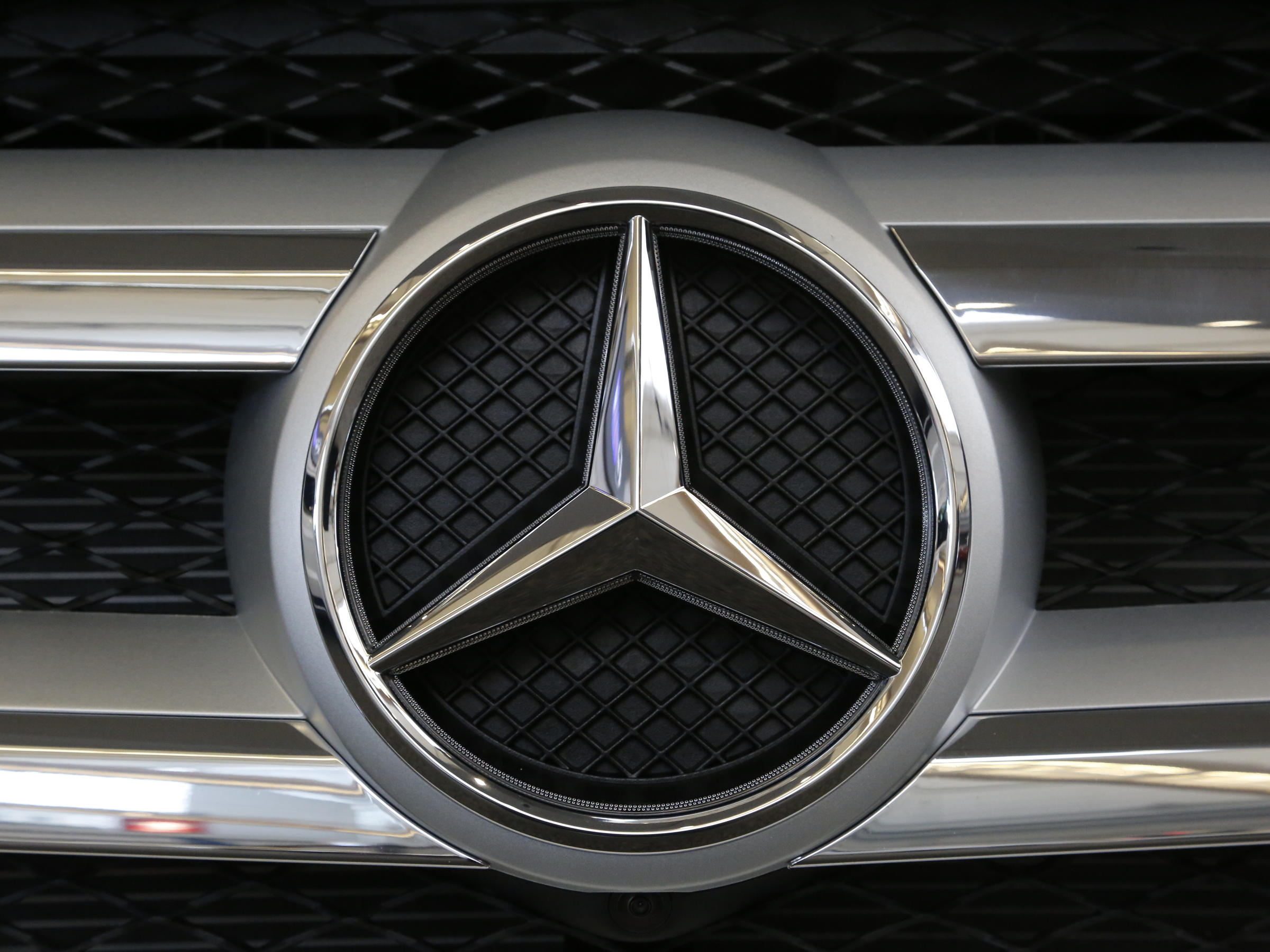 Mercedes-Benz apologized to China for posting a Dalai Lama quote photo